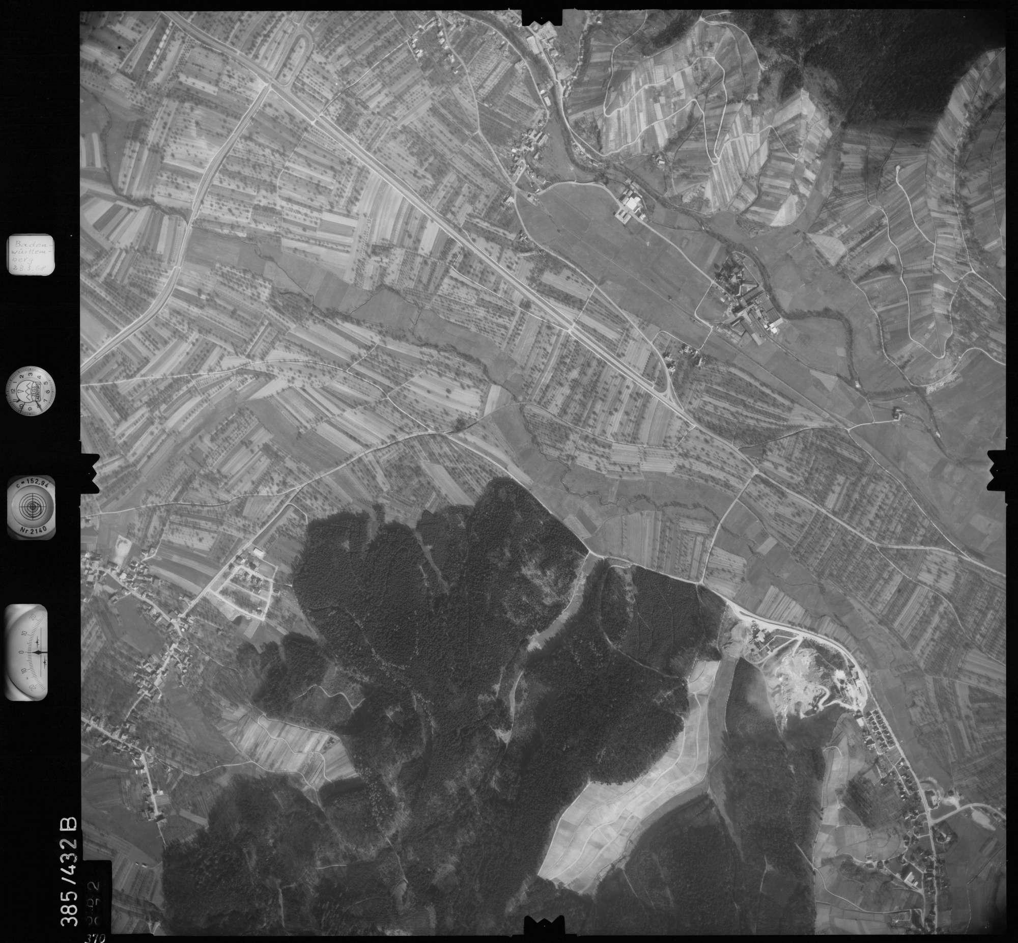 Luftbild: Film 24 Bildnr. 370, Bild 1