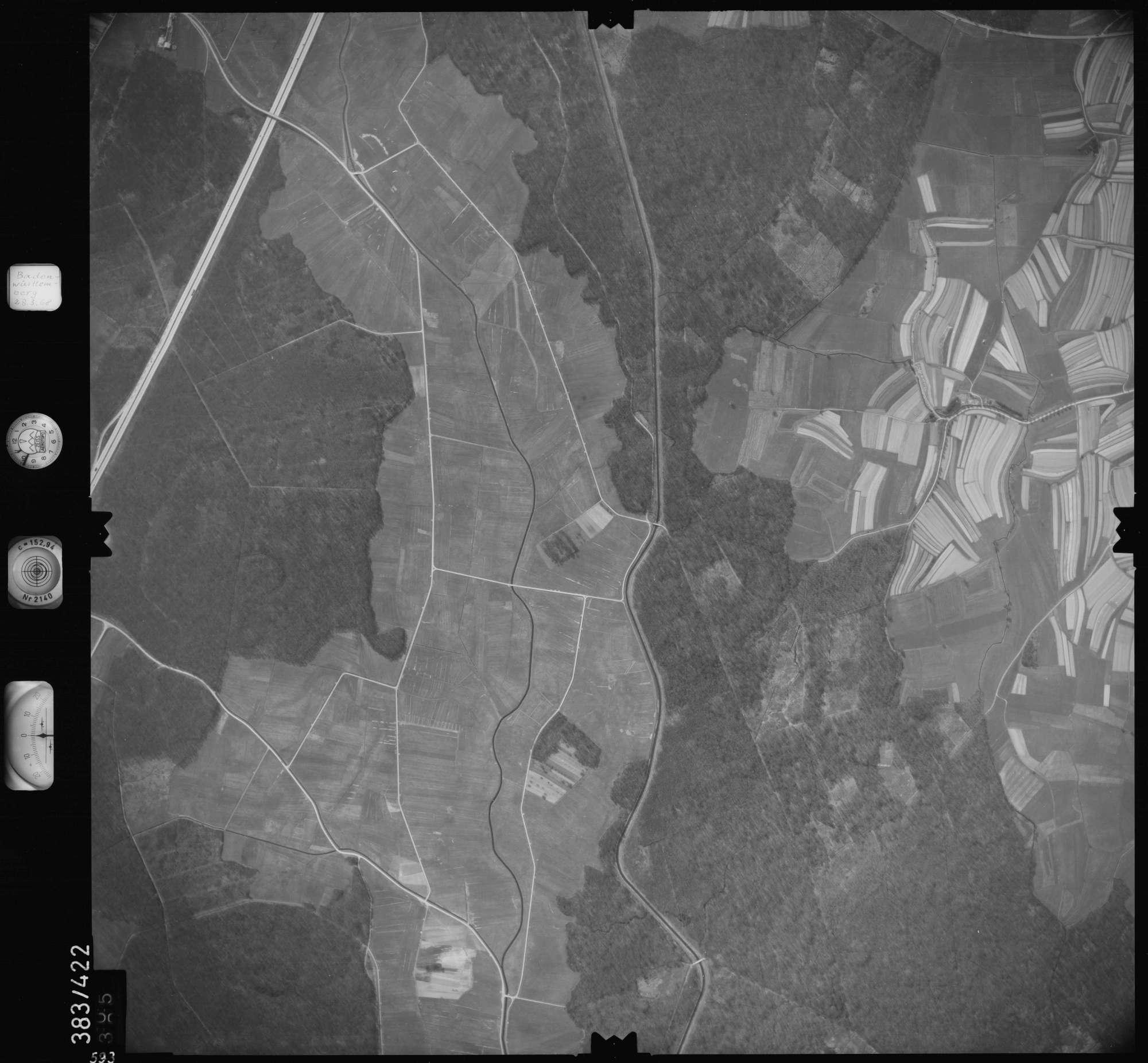 Luftbild: Film 24 Bildnr. 593, Bild 1