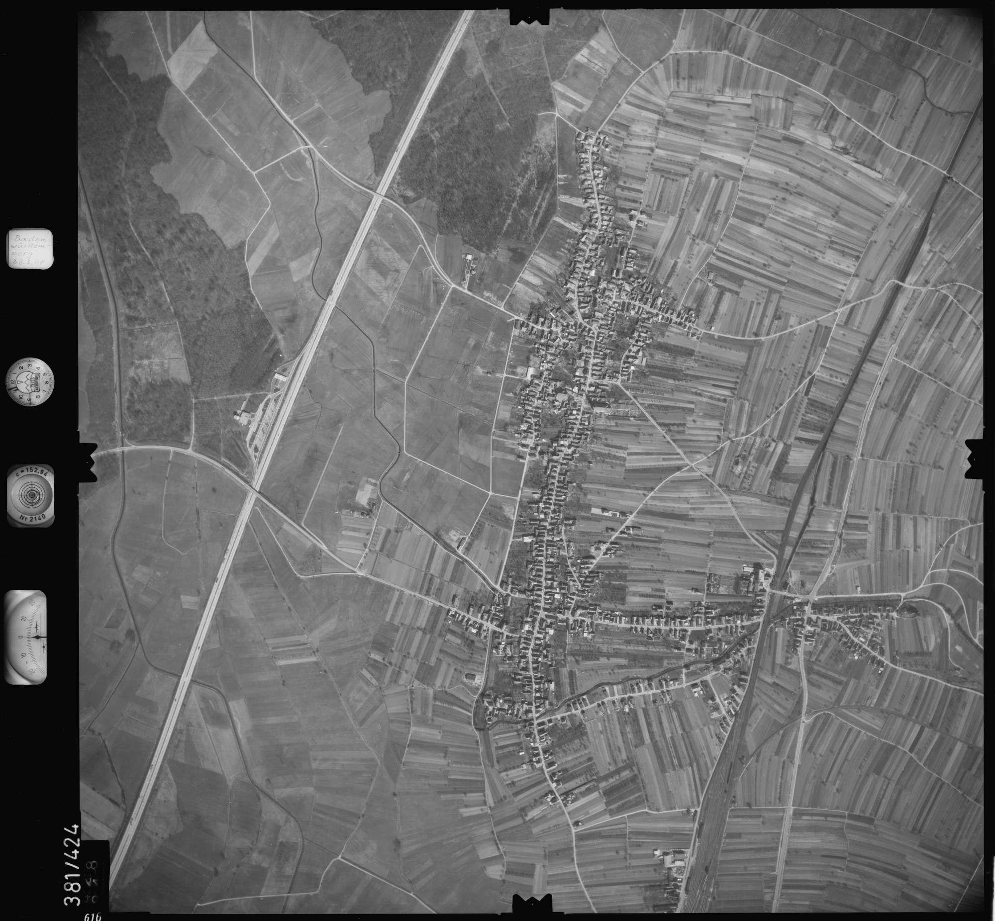 Luftbild: Film 24 Bildnr. 616, Bild 1