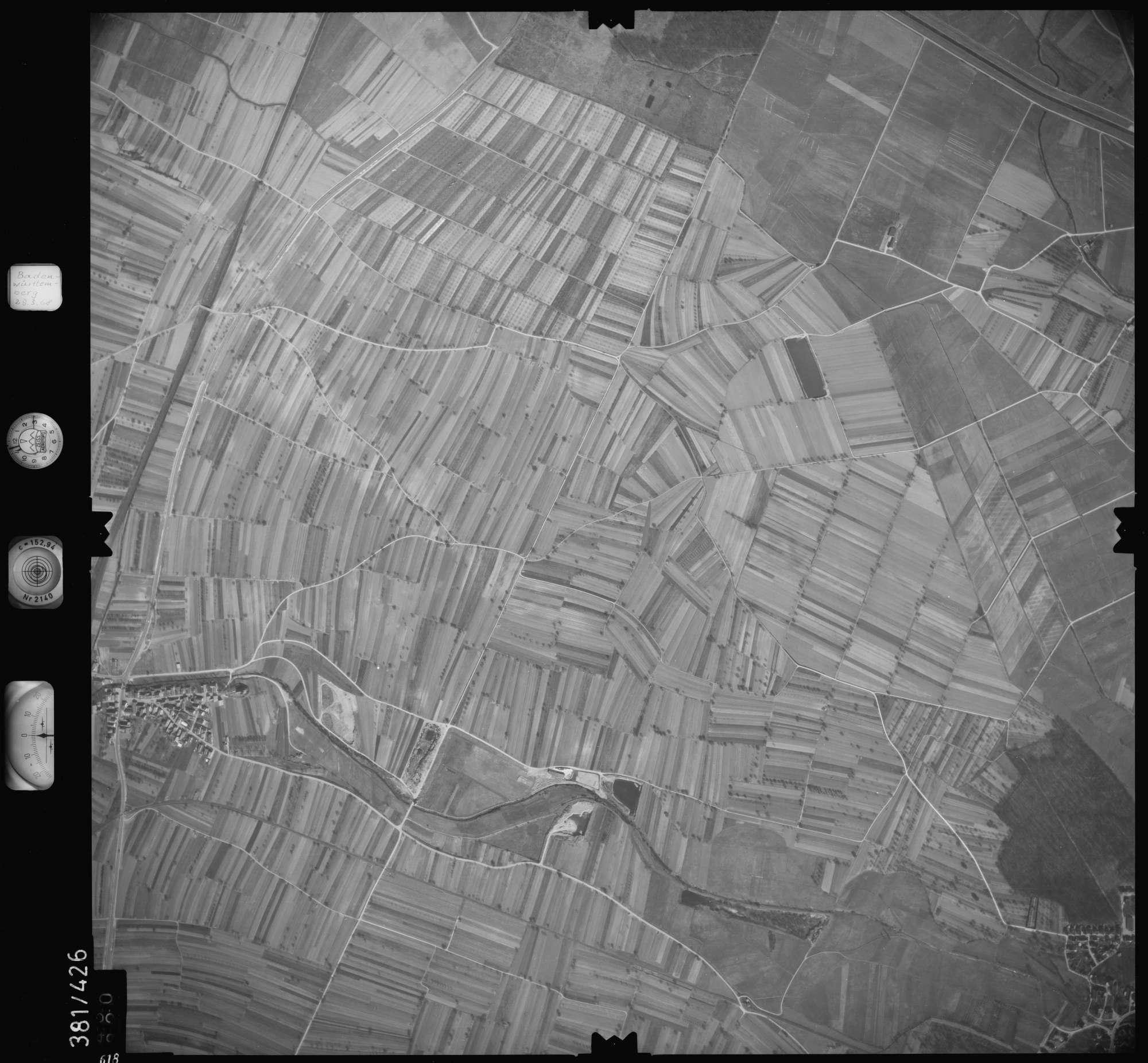 Luftbild: Film 24 Bildnr. 618, Bild 1