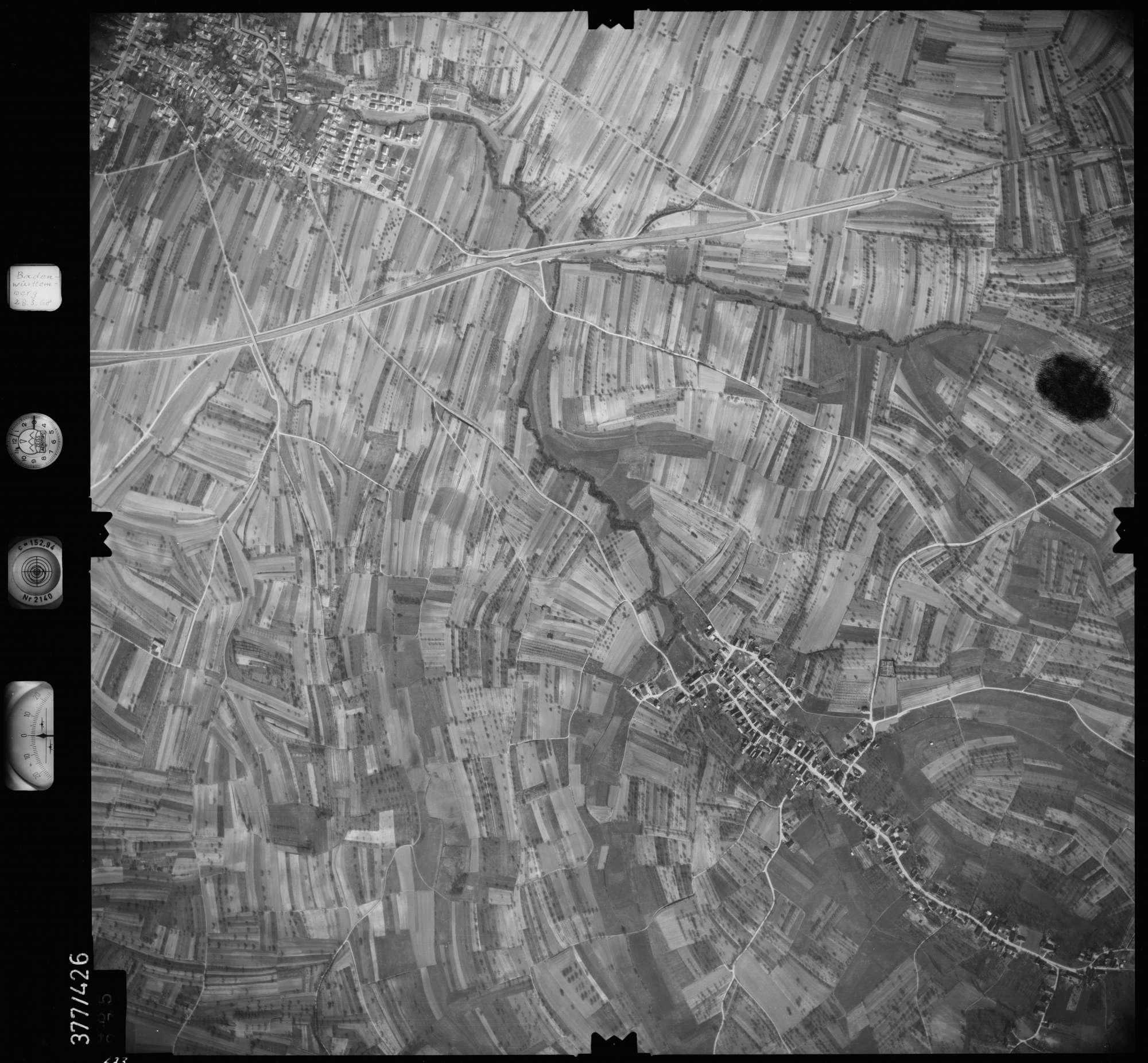 Luftbild: Film 24 Bildnr. 673, Bild 1