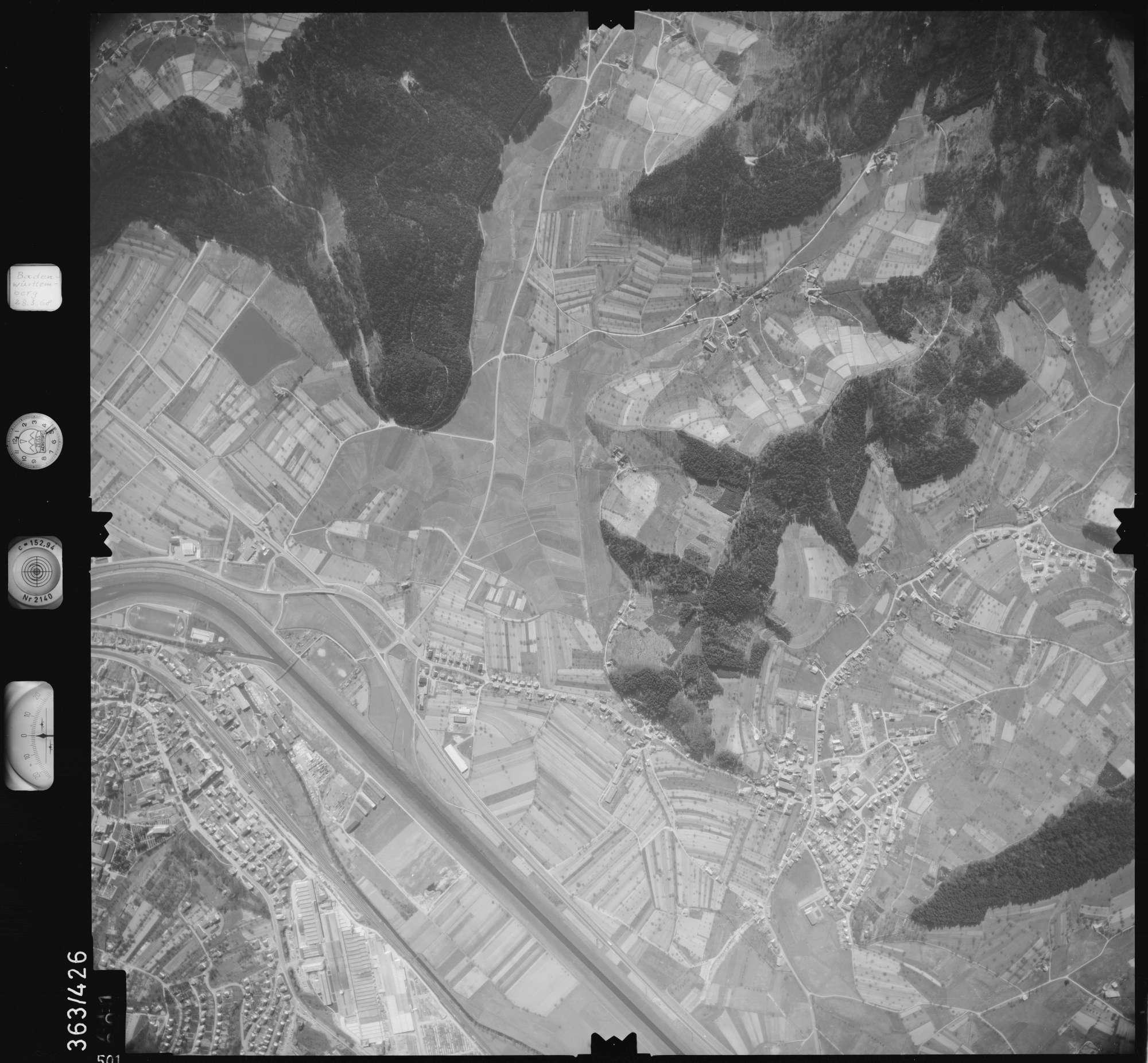 Luftbild: Film 28 Bildnr. 501, Bild 1