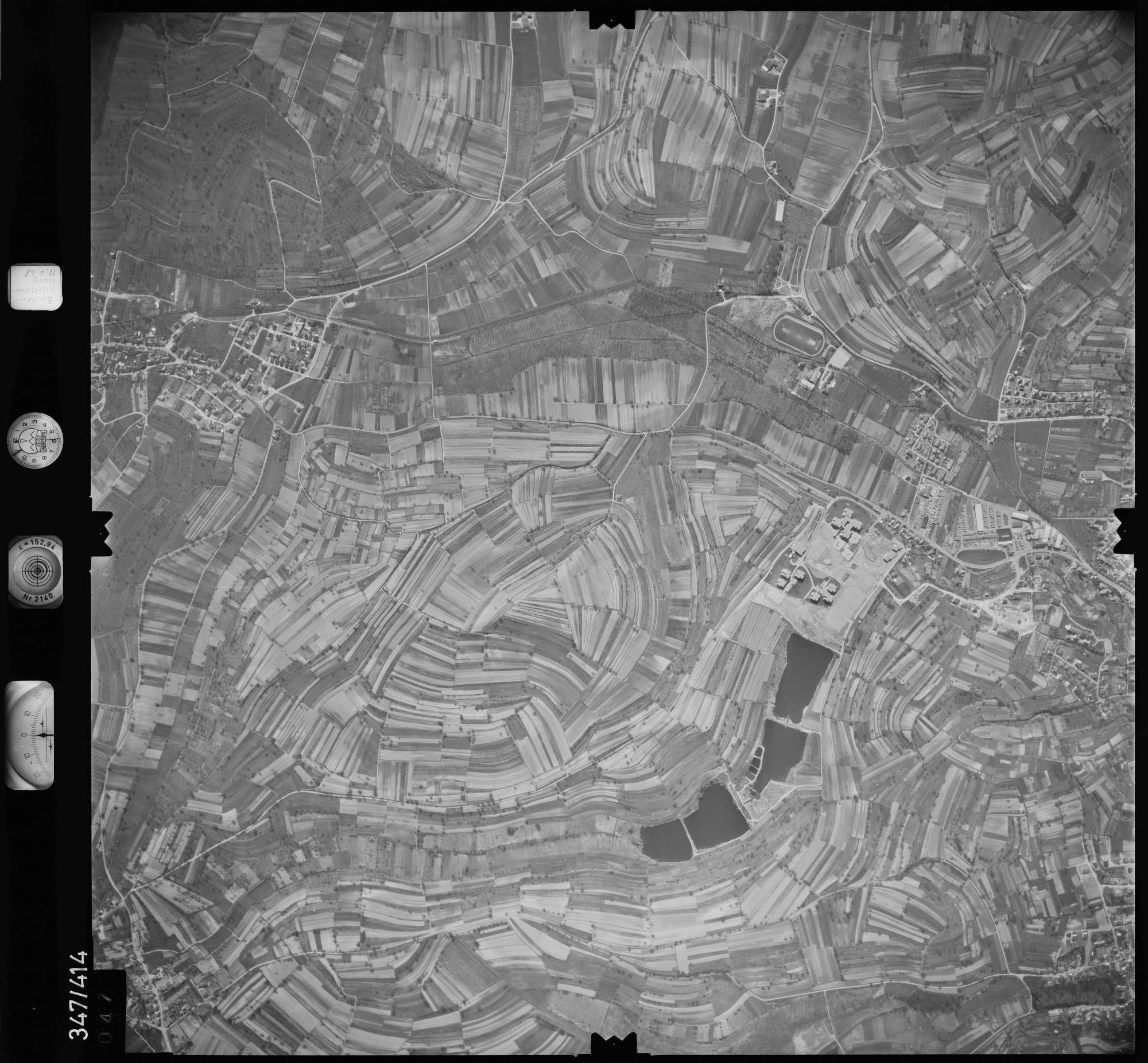 Luftbild: Film 37 Bildnr. 47, Bild 1