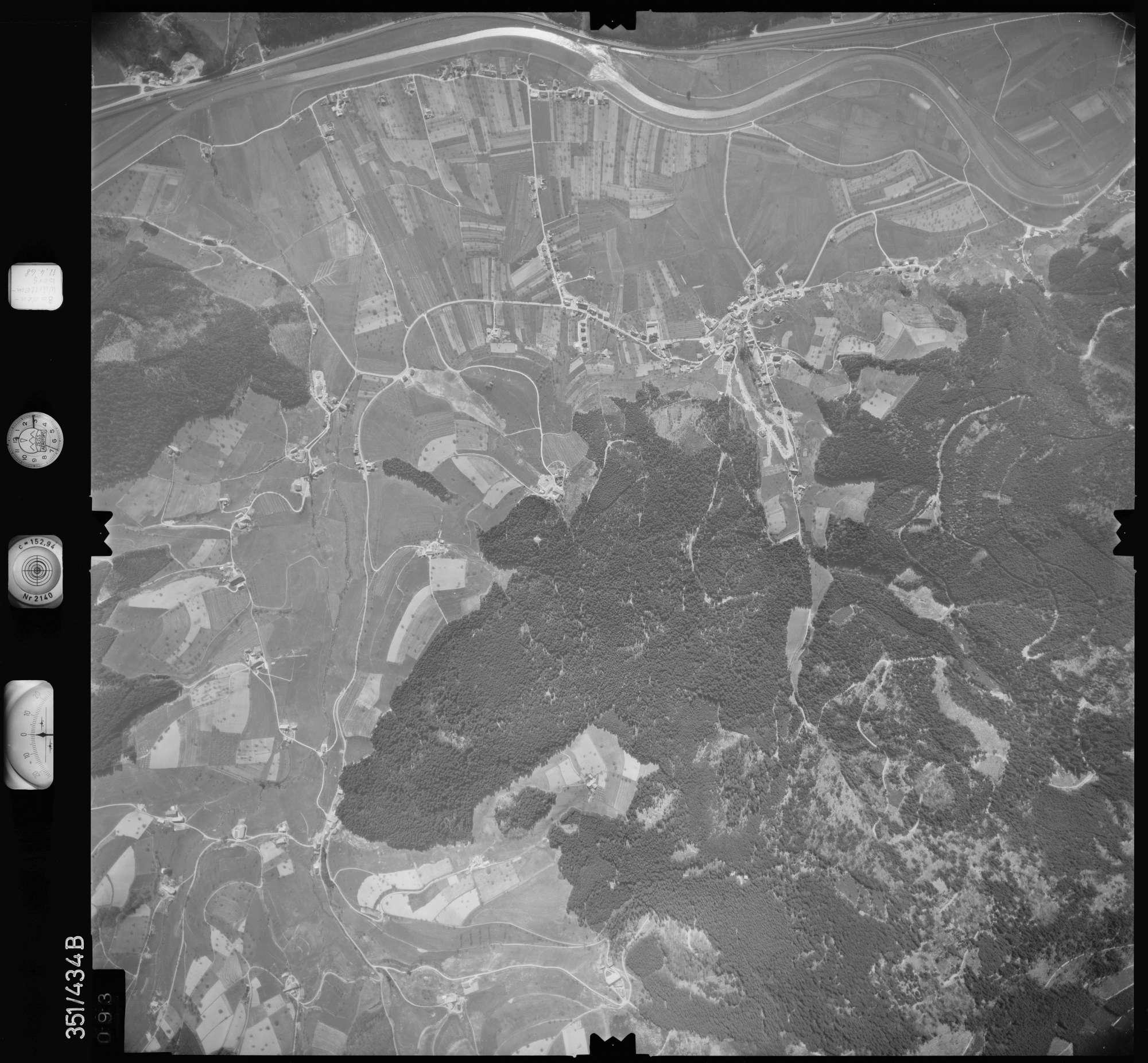 Luftbild: Film 37 Bildnr. 93, Bild 1