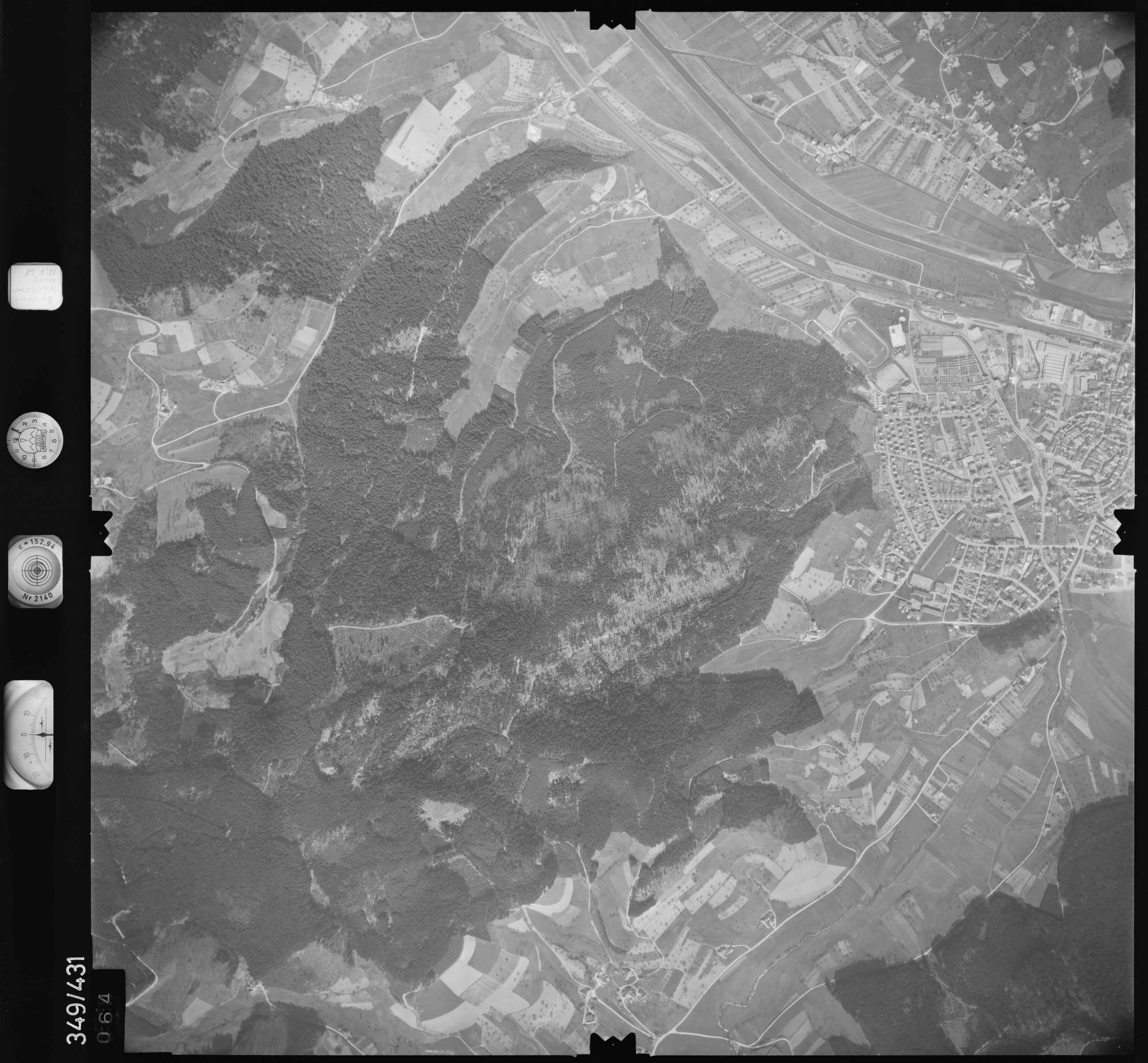 Luftbild: Film 37 Bildnr. 64, Bild 1