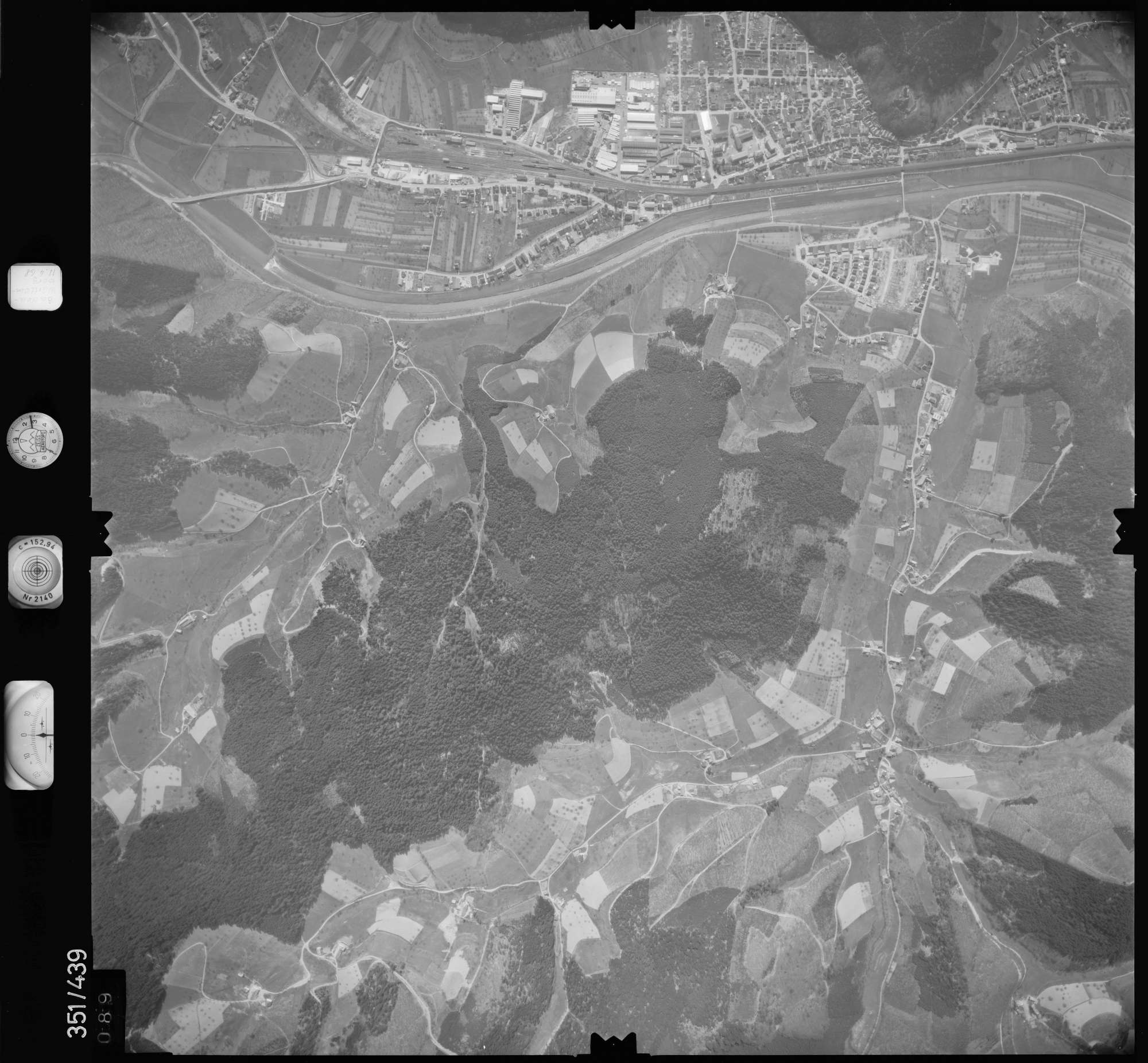 Luftbild: Film 37 Bildnr. 89, Bild 1