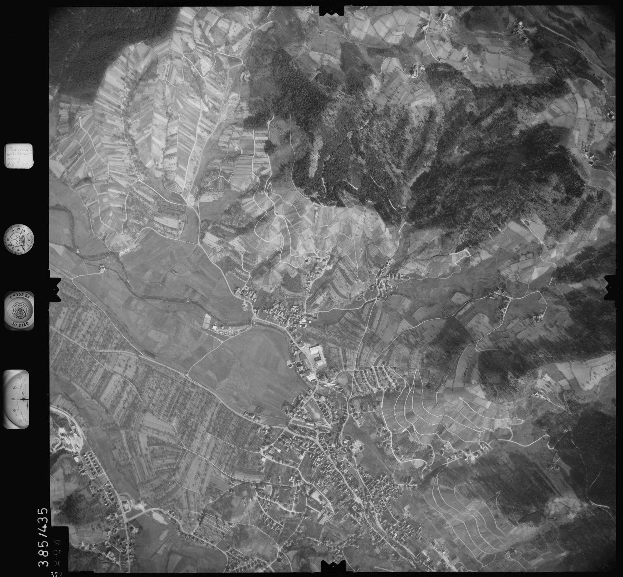 Luftbild: Film 24 Bildnr. 372, Bild 1