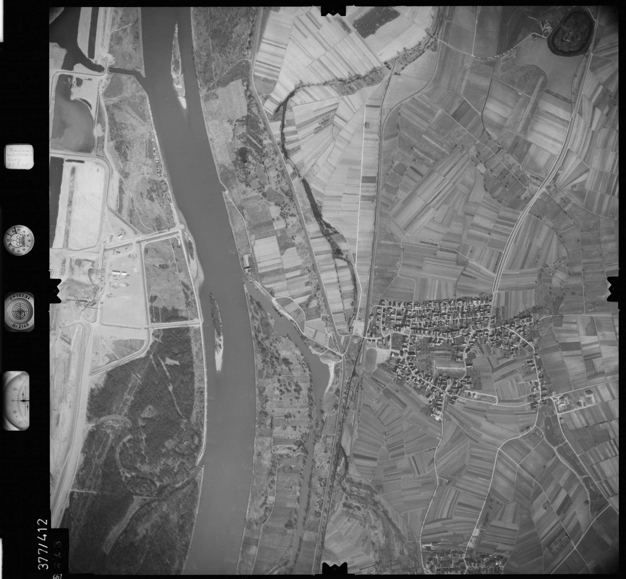 Luftbild: Film 24 Bildnr. 661, Bild 1