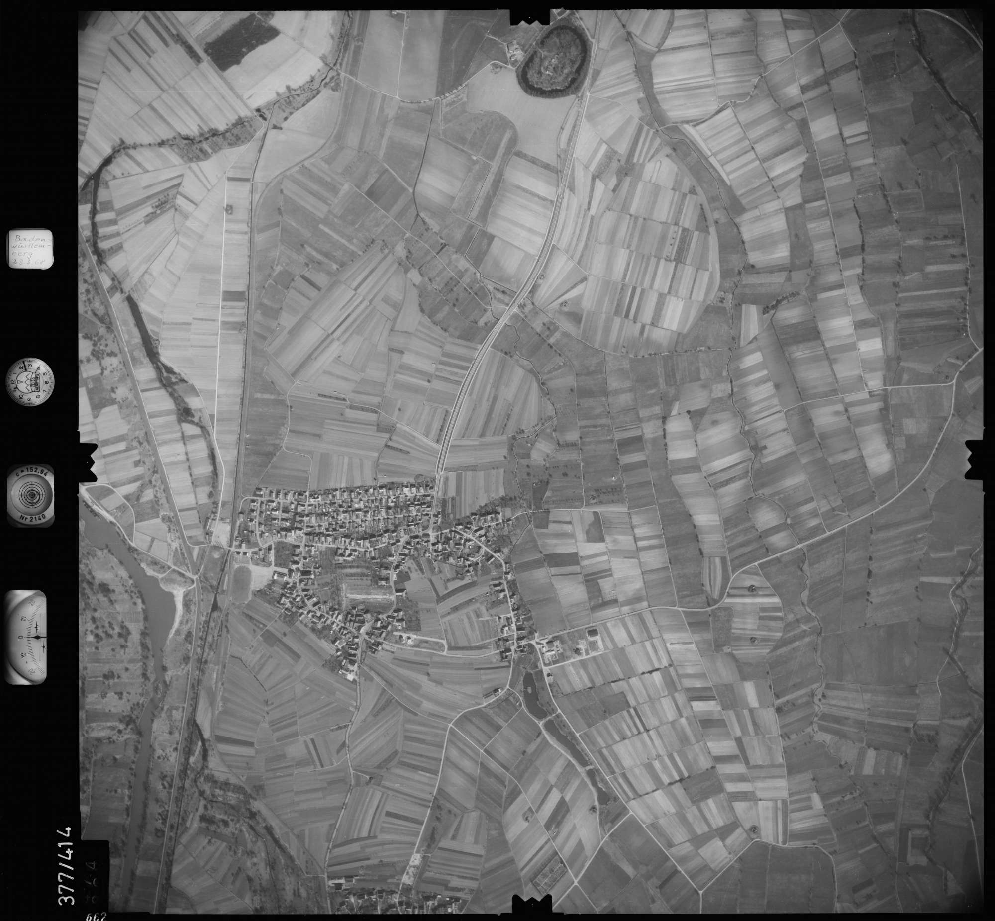 Luftbild: Film 24 Bildnr. 662, Bild 1