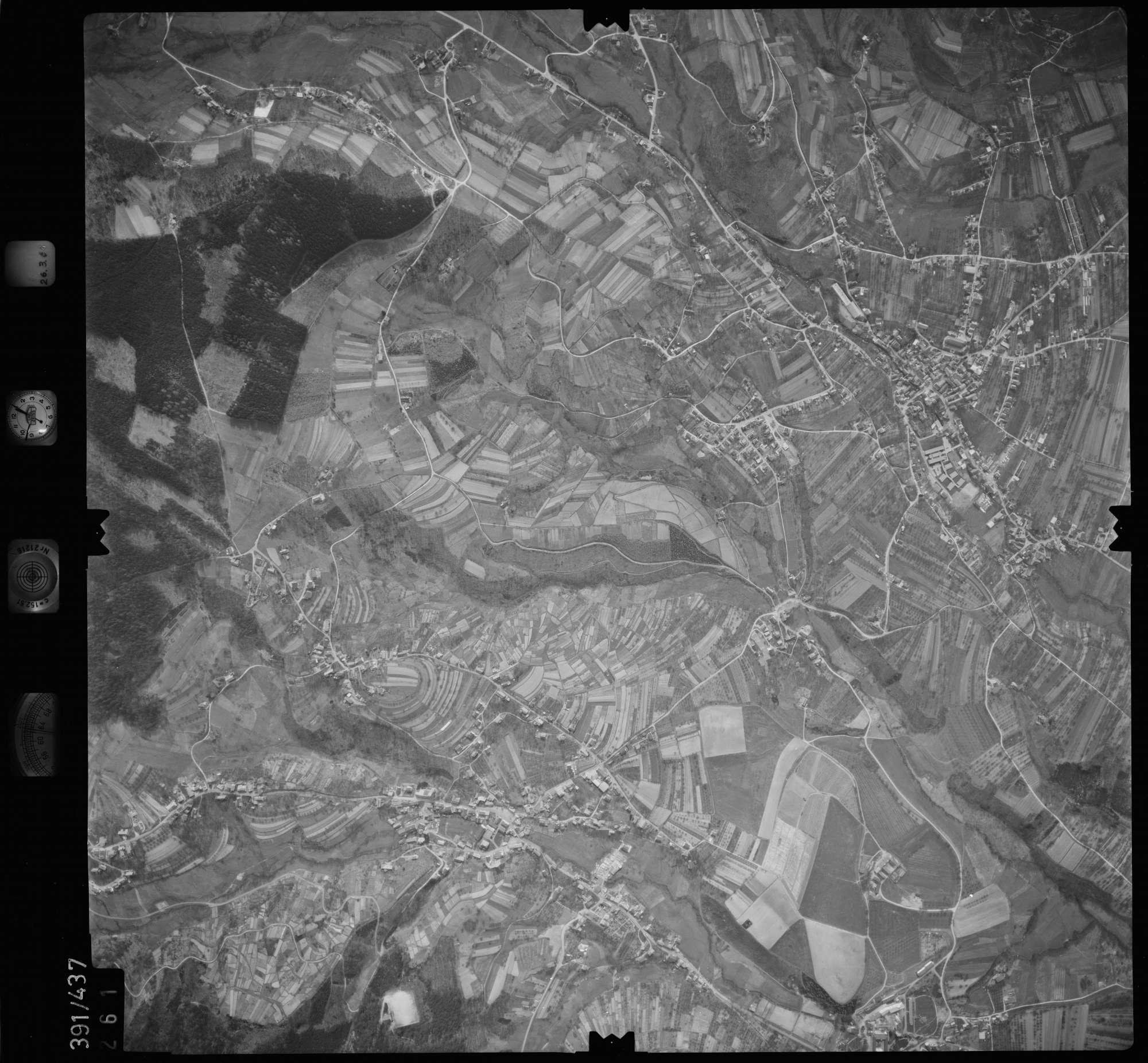 Luftbild: Film 19 Bildnr. 261, Bild 1