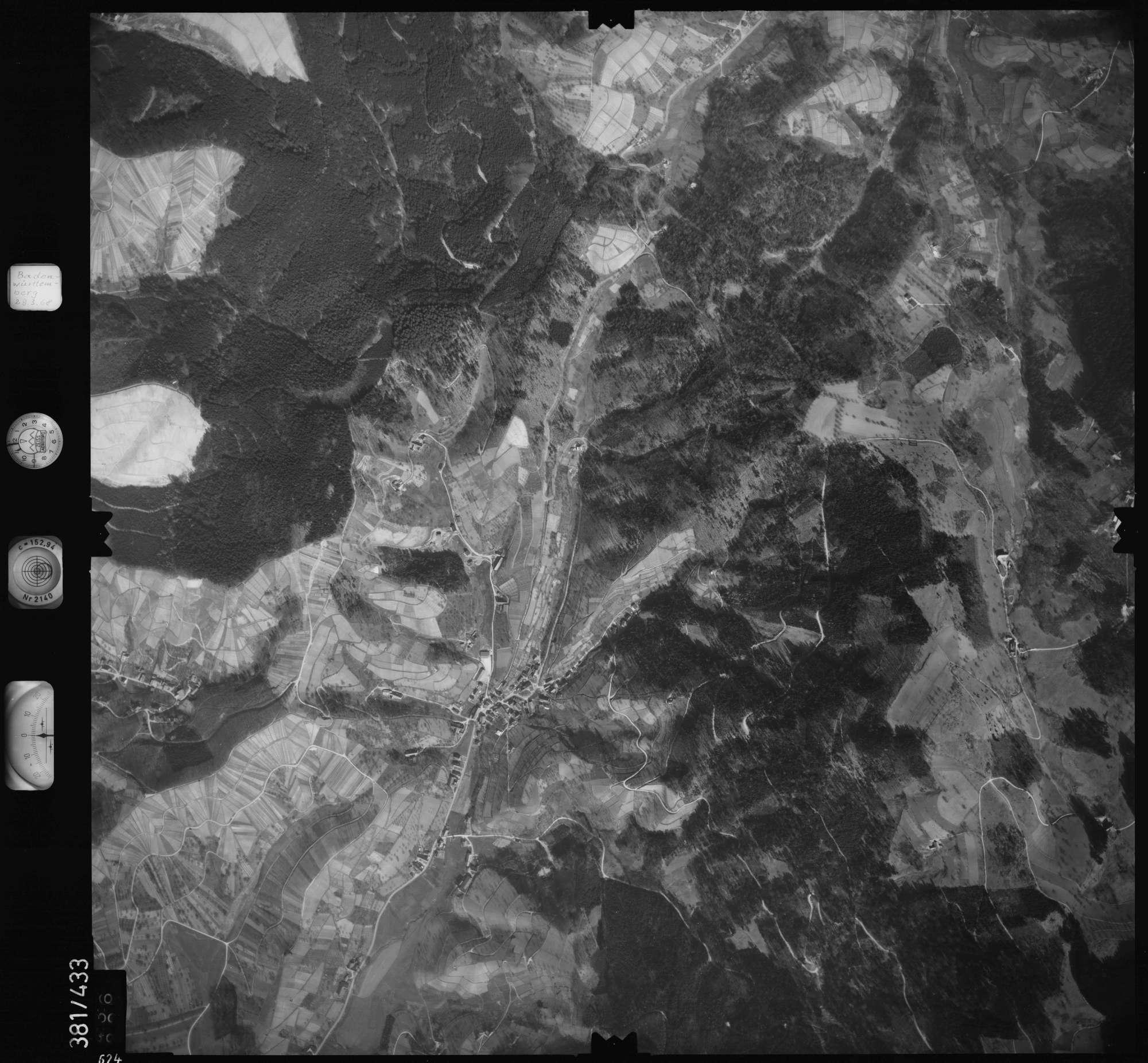 Luftbild: Film 24 Bildnr. 624, Bild 1