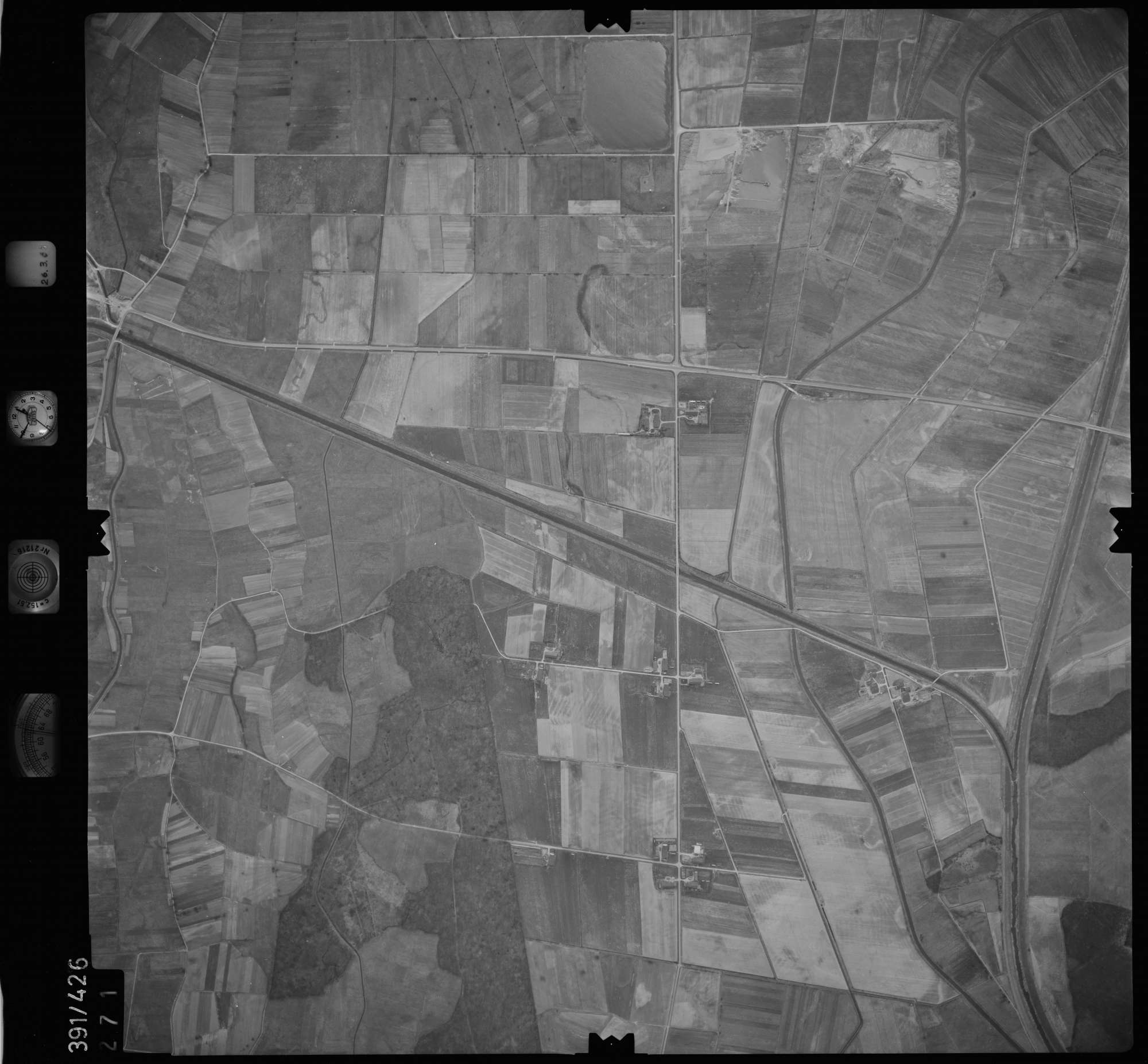 Luftbild: Film 19 Bildnr. 271, Bild 1