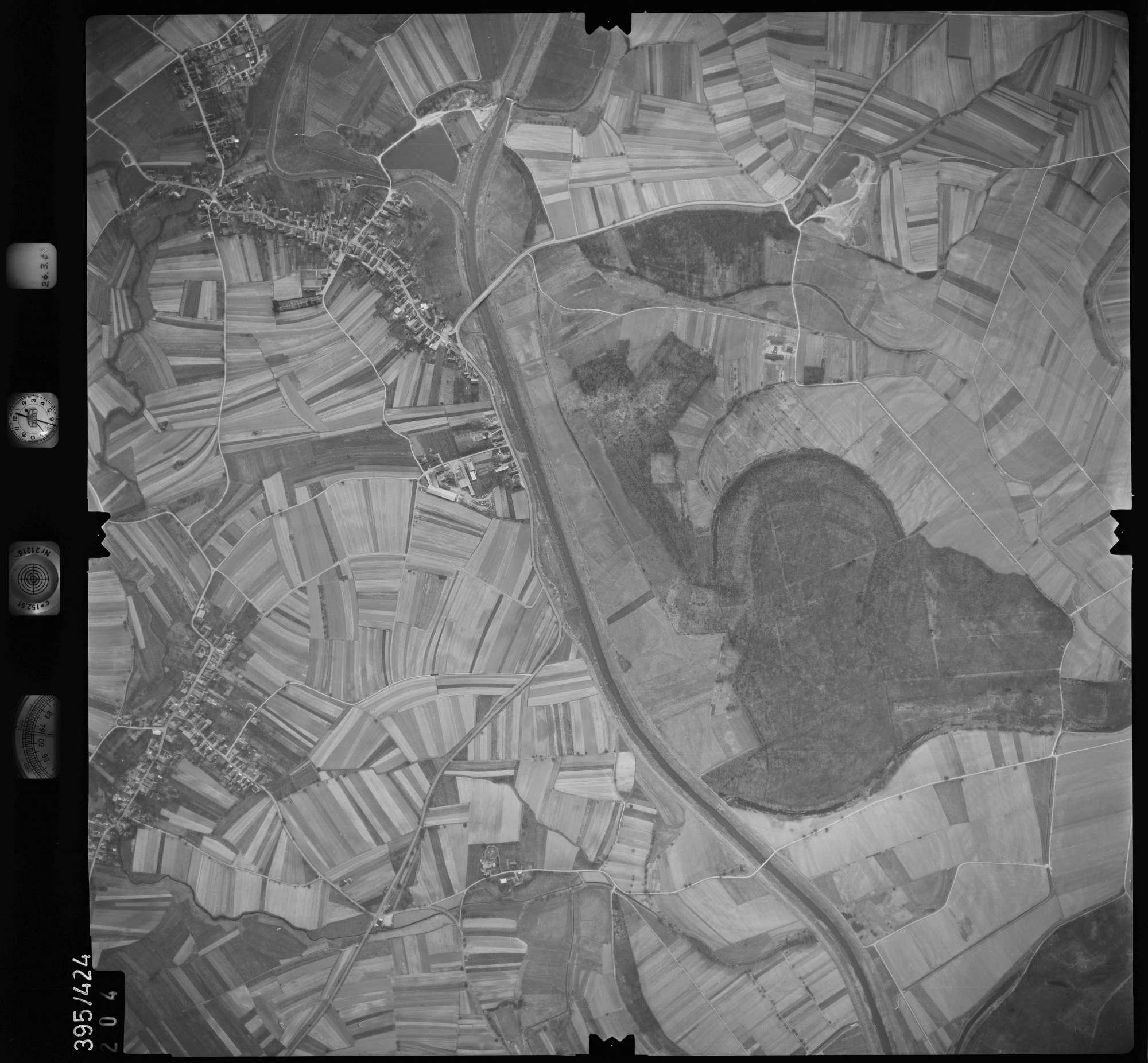 Luftbild: Film 8 Bildnr. 204, Bild 1