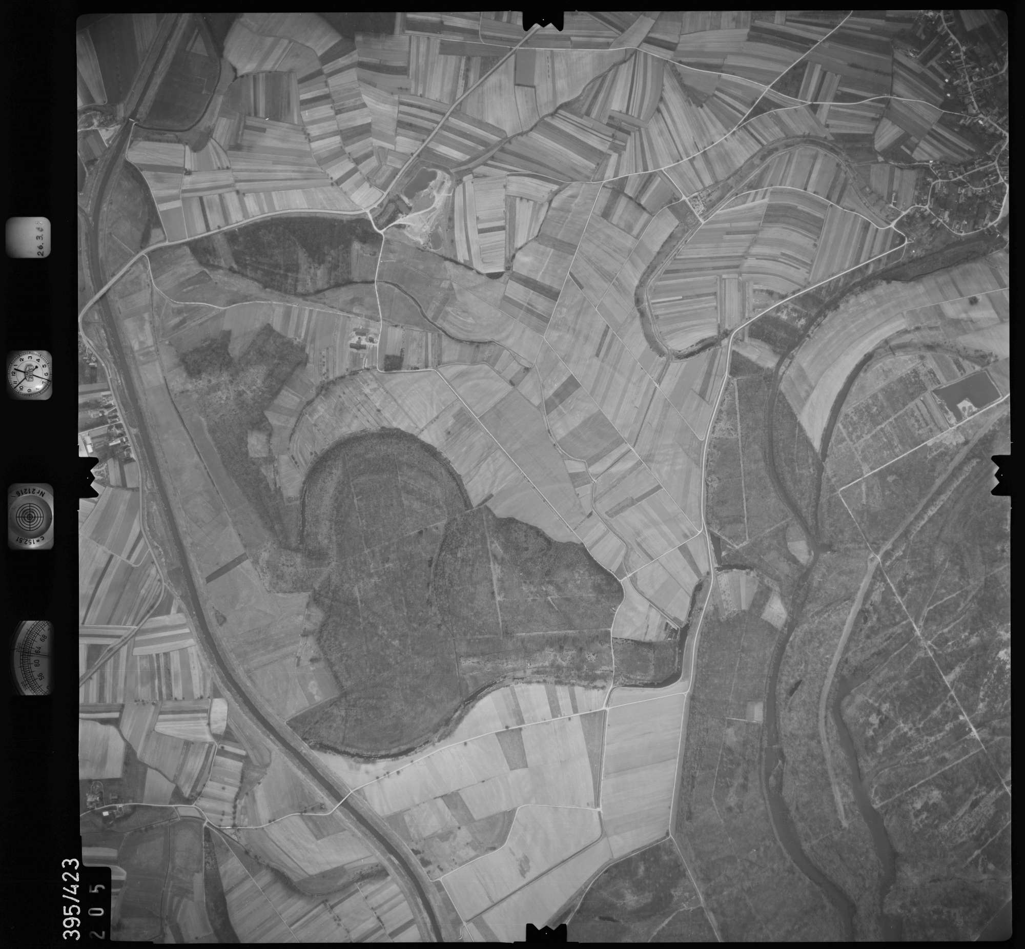 Luftbild: Film 8 Bildnr. 205, Bild 1