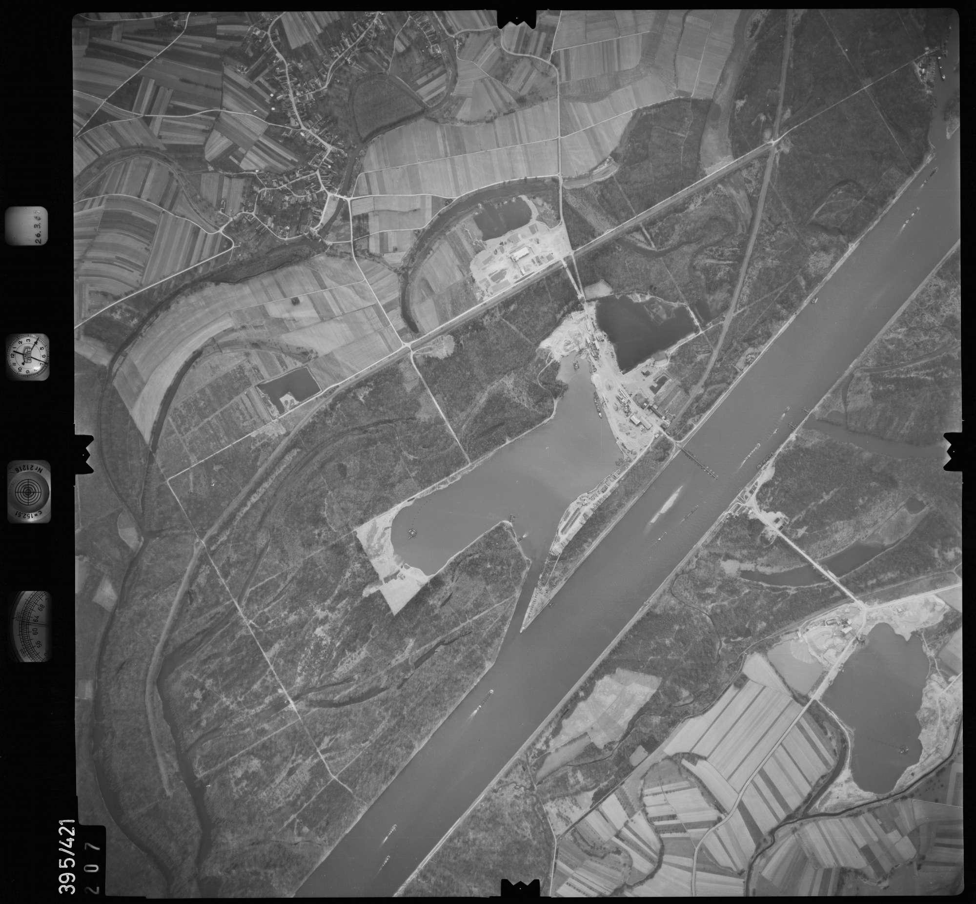 Luftbild: Film 8 Bildnr. 207, Bild 1