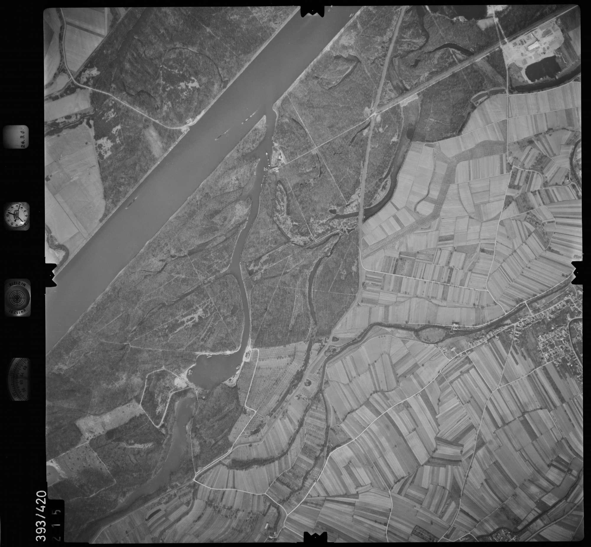 Luftbild: Film 8 Bildnr. 215, Bild 1