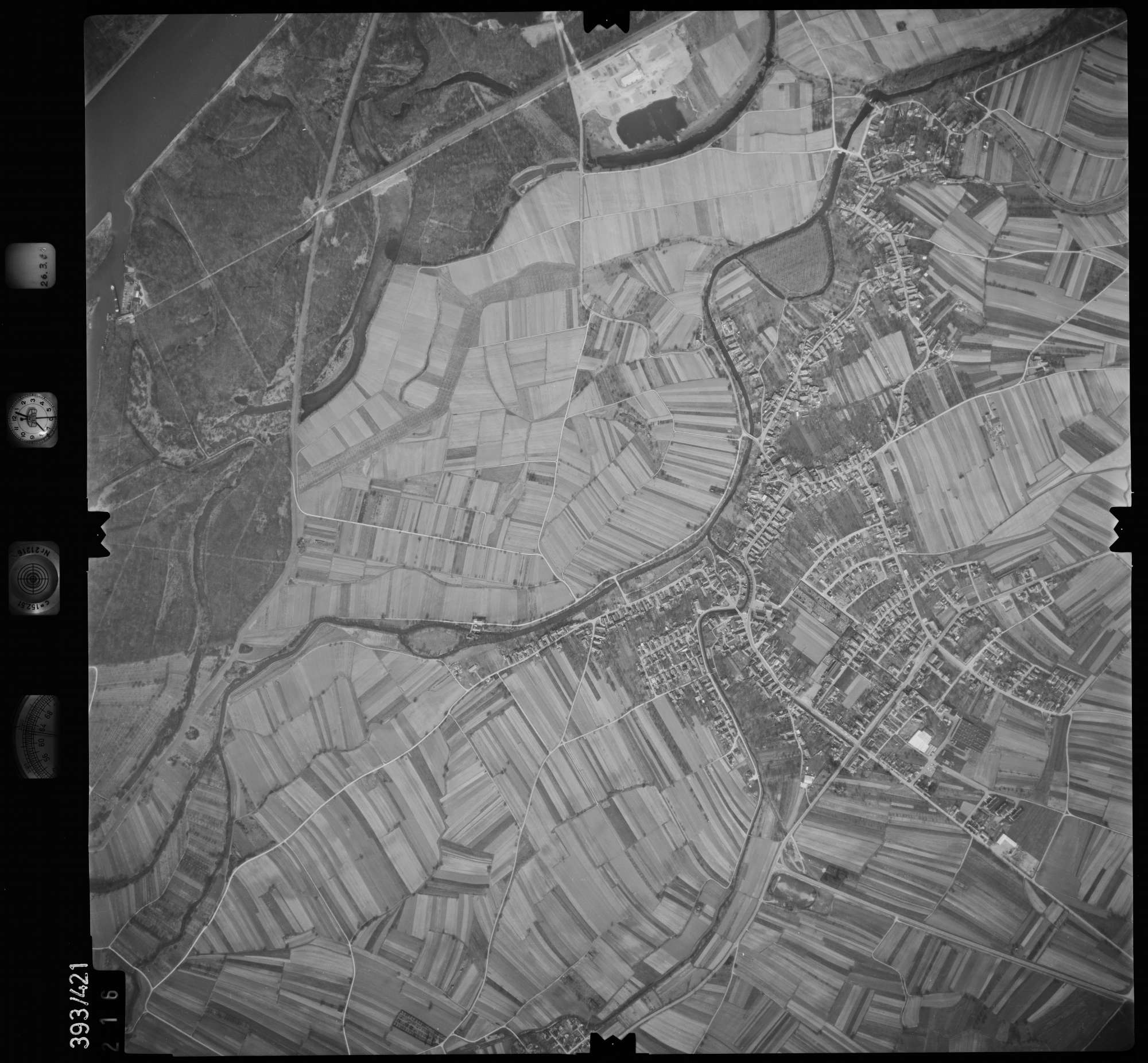 Luftbild: Film 8 Bildnr. 216, Bild 1