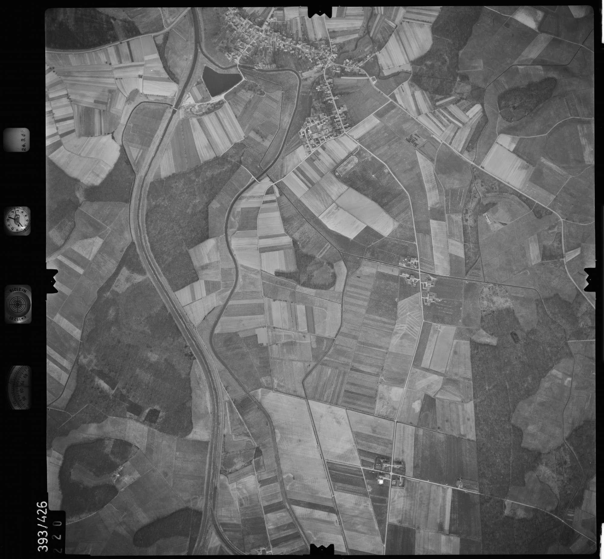 Luftbild: Film 8 Bildnr. 220, Bild 1