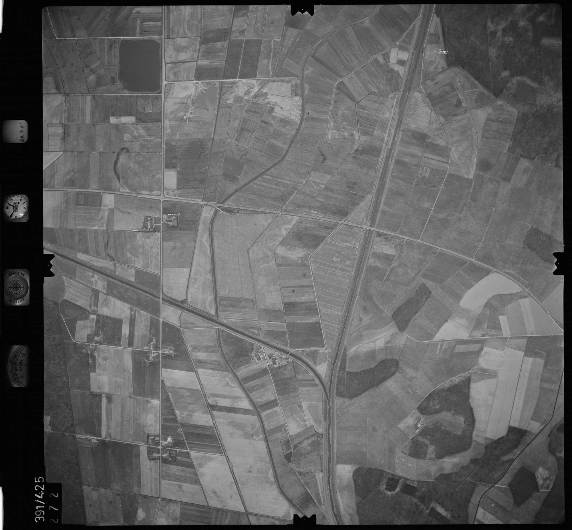 Luftbild: Film 19 Bildnr. 272, Bild 1
