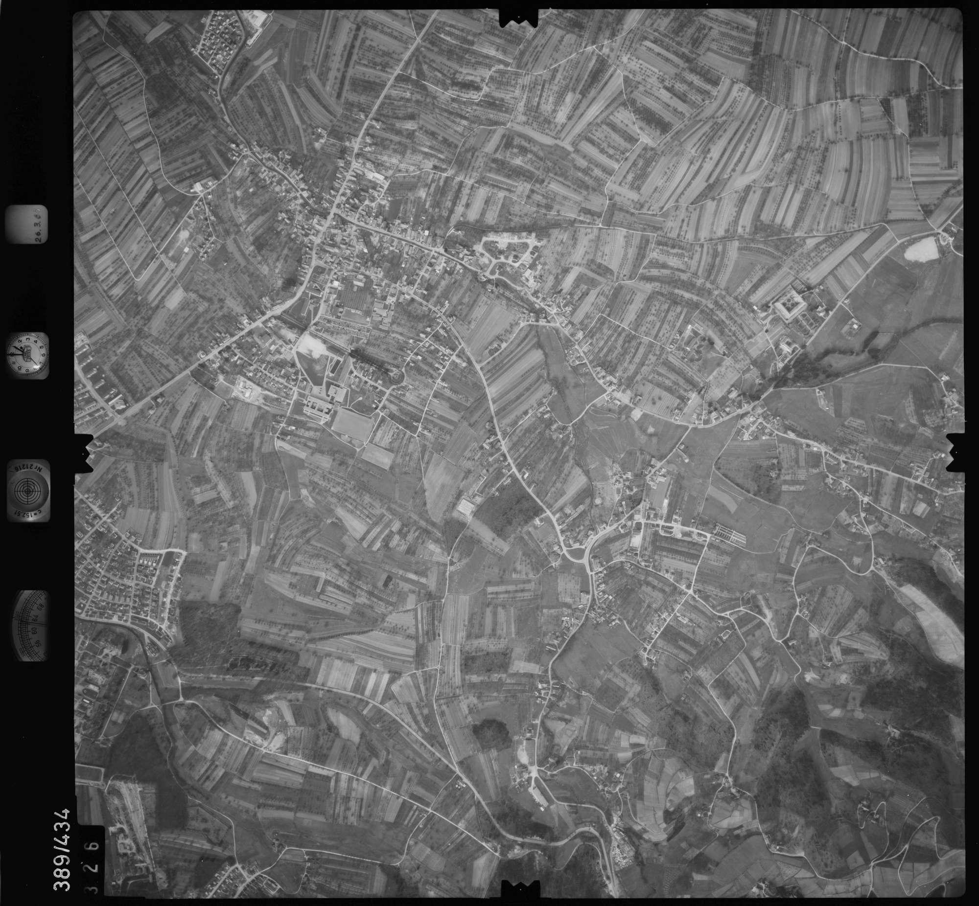Luftbild: Film 20 Bildnr. 326, Bild 1