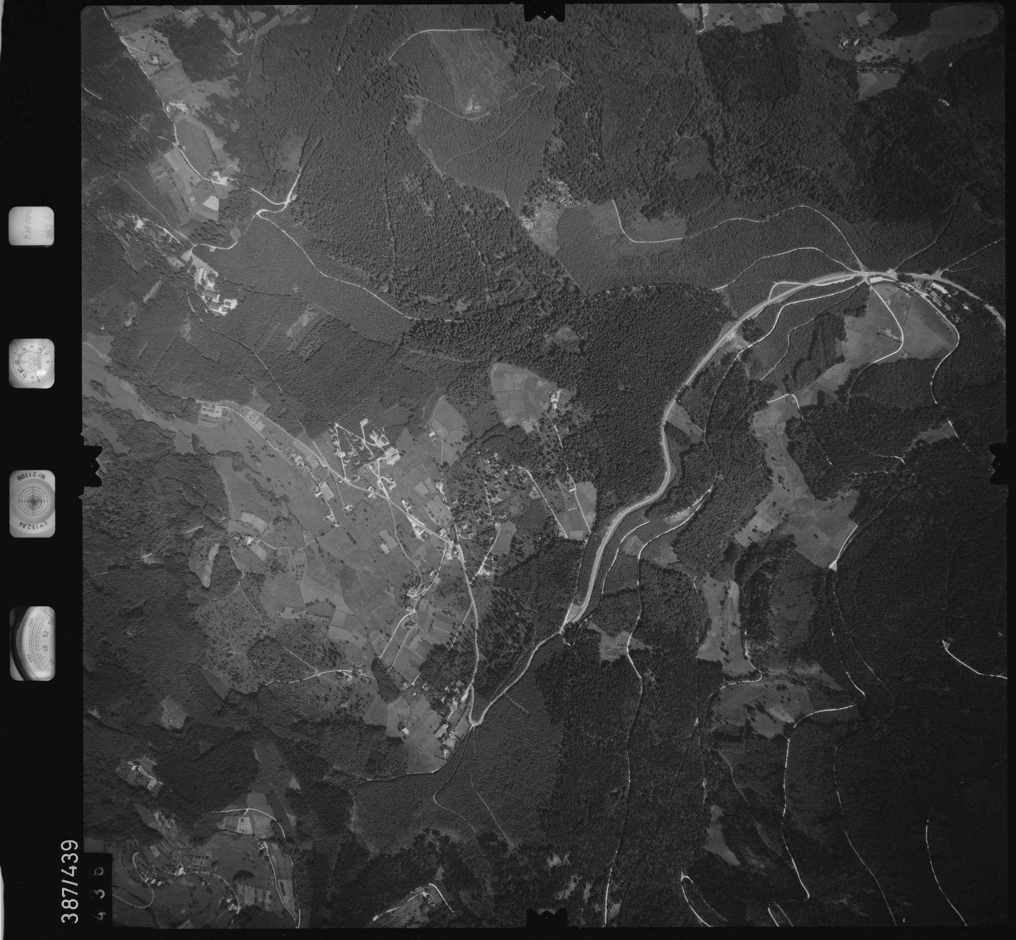 Luftbild: Film 90 Bildnr. 436, Bild 1