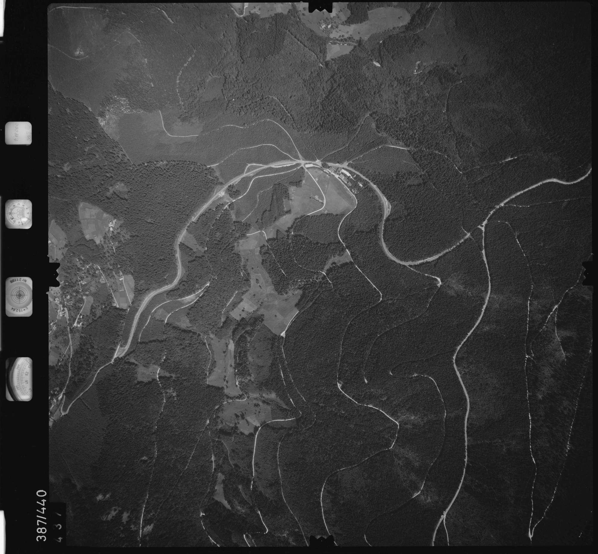 Luftbild: Film 90 Bildnr. 437, Bild 1