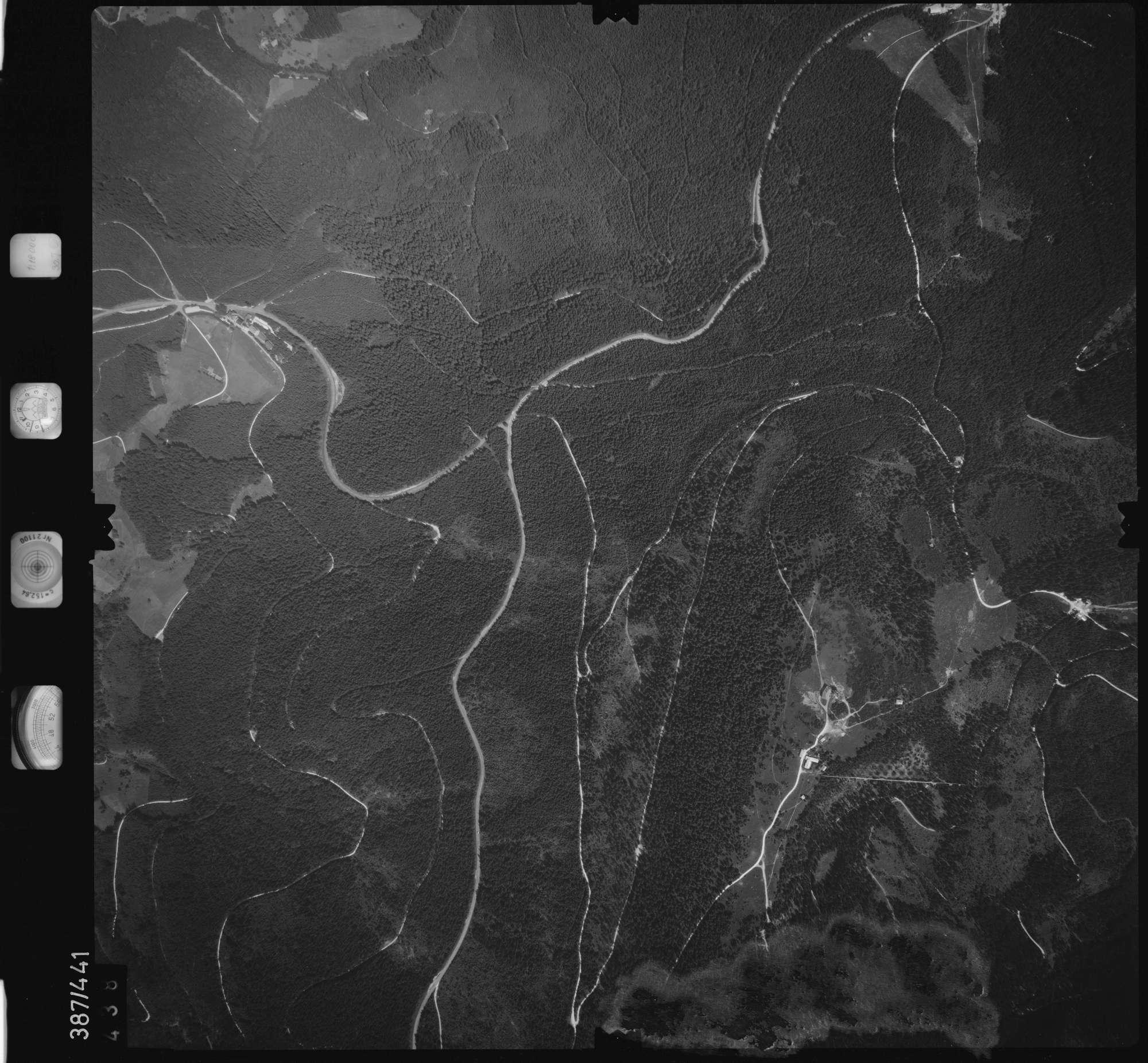 Luftbild: Film 90 Bildnr. 438, Bild 1