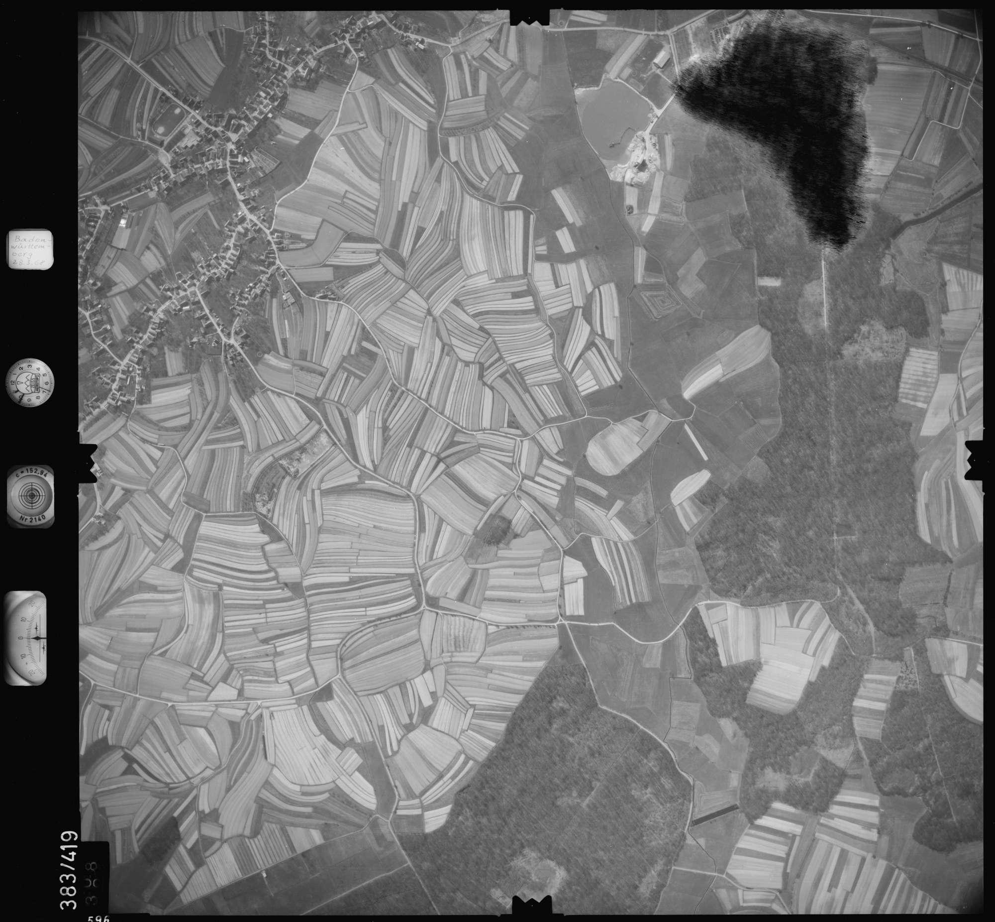 Luftbild: Film 24 Bildnr. 596, Bild 1