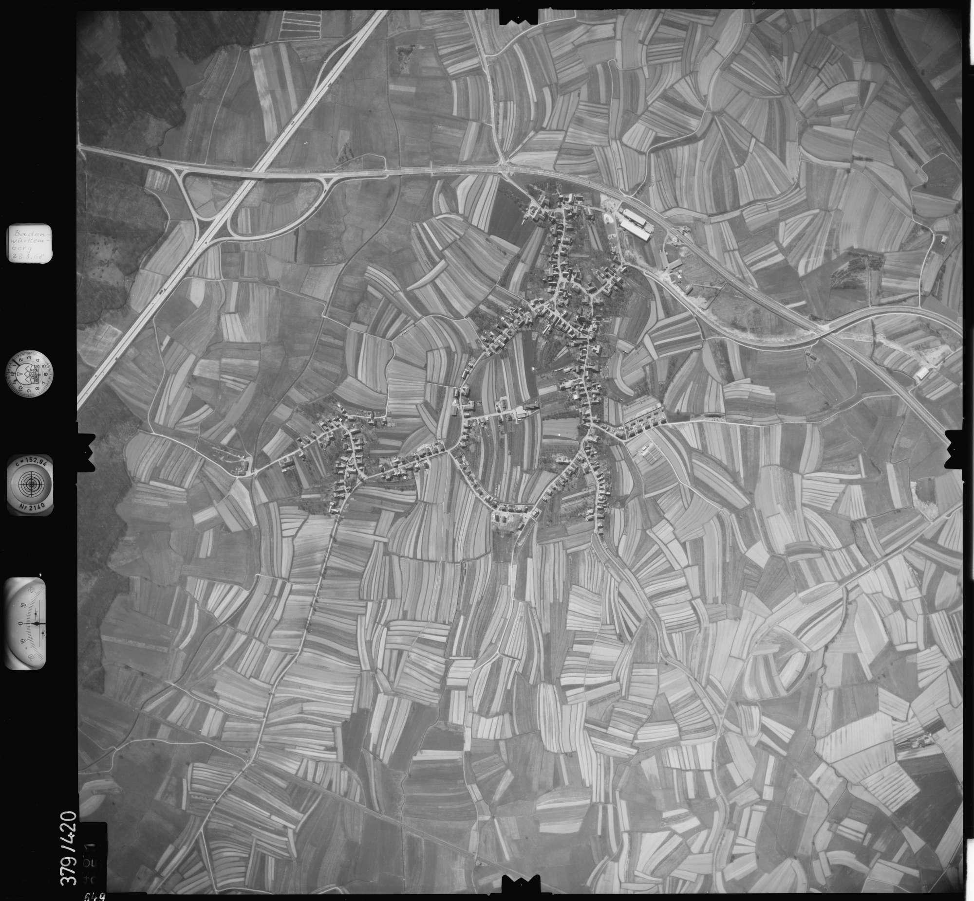Luftbild: Film 24 Bildnr. 649, Bild 1