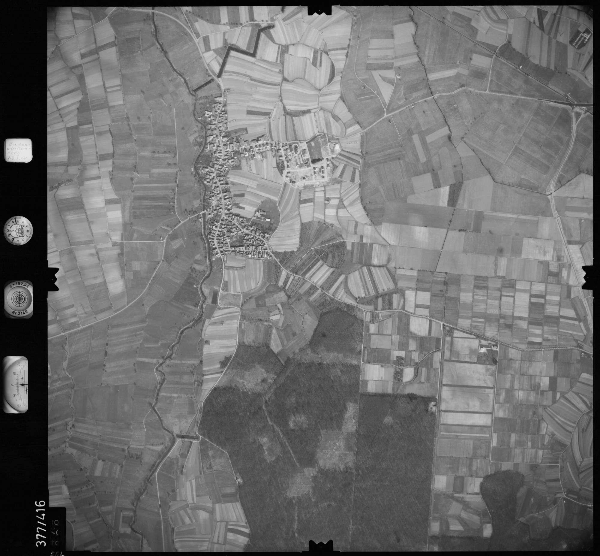 Luftbild: Film 24 Bildnr. 664, Bild 1