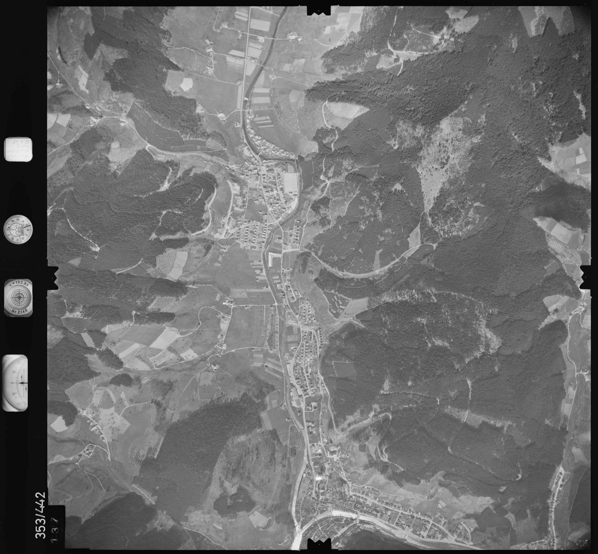 Luftbild: Film 37 Bildnr. 137, Bild 1