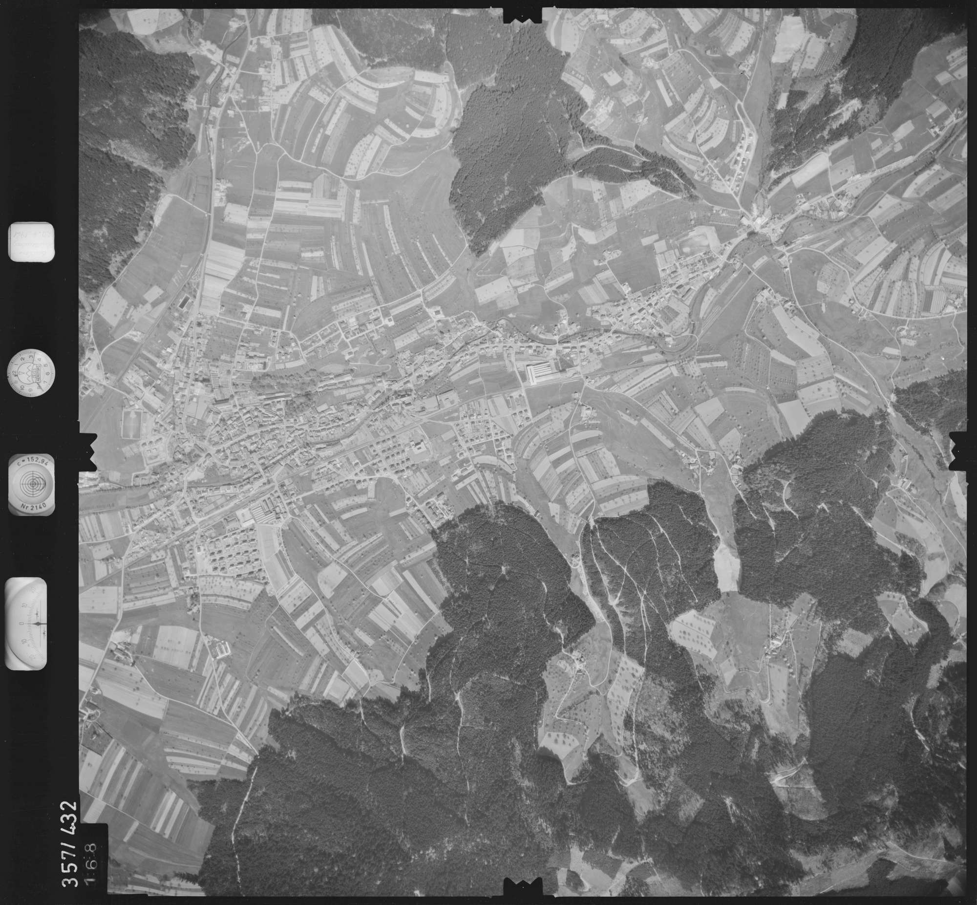 Luftbild: Film 11 Bildnr. 168, Bild 1