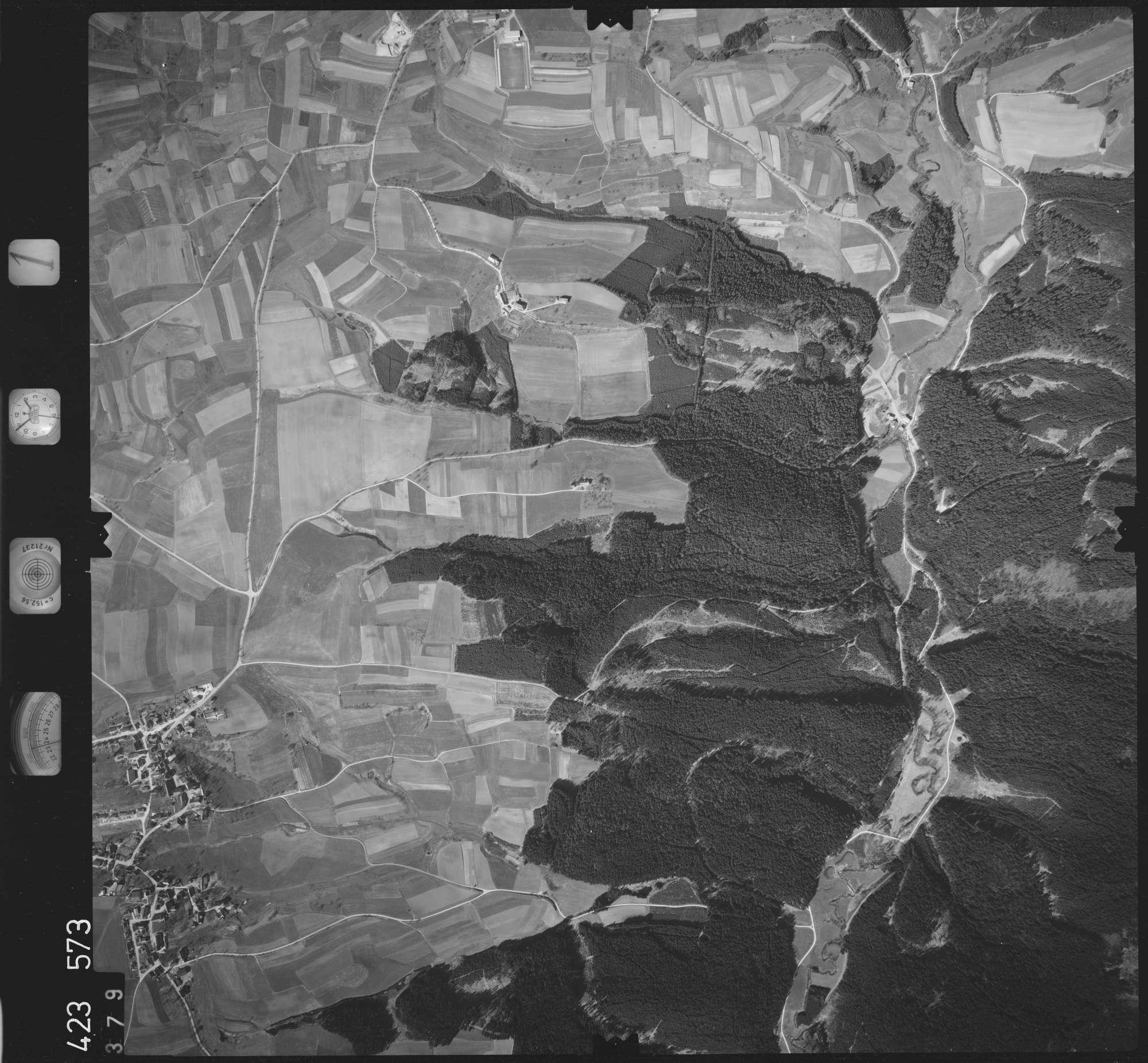 Luftbild: Film 1 Bildnr. 379, Bild 1