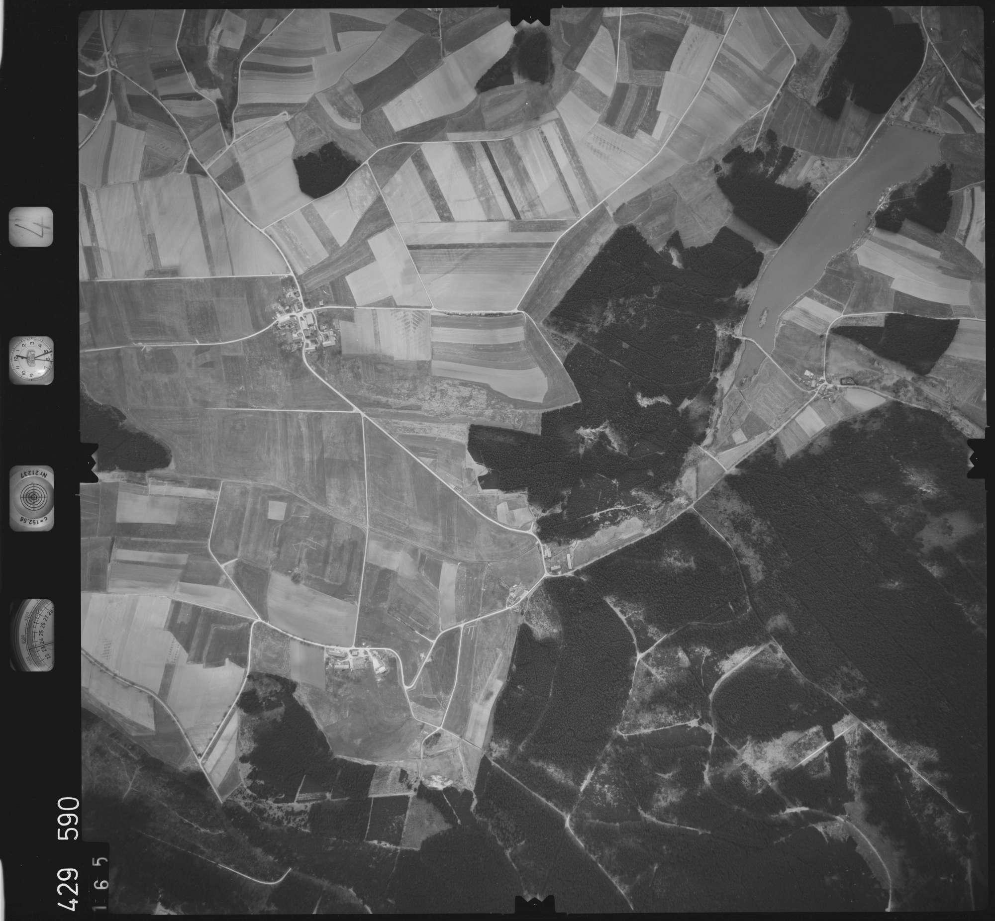 Luftbild: Film 4 Bildnr. 165, Bild 1