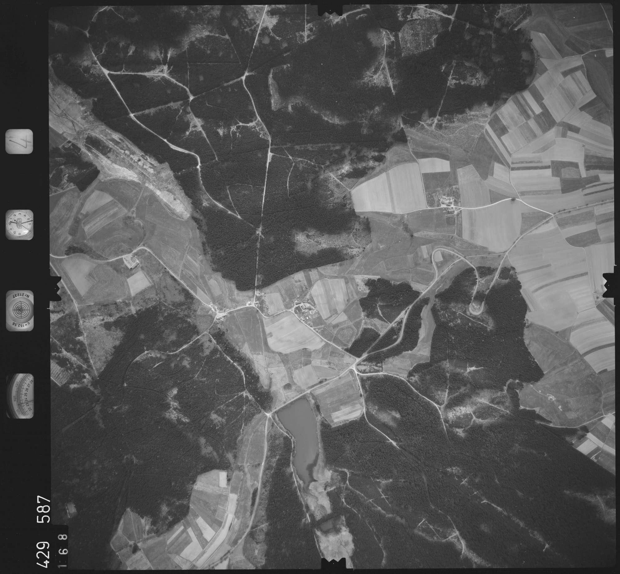 Luftbild: Film 4 Bildnr. 168, Bild 1