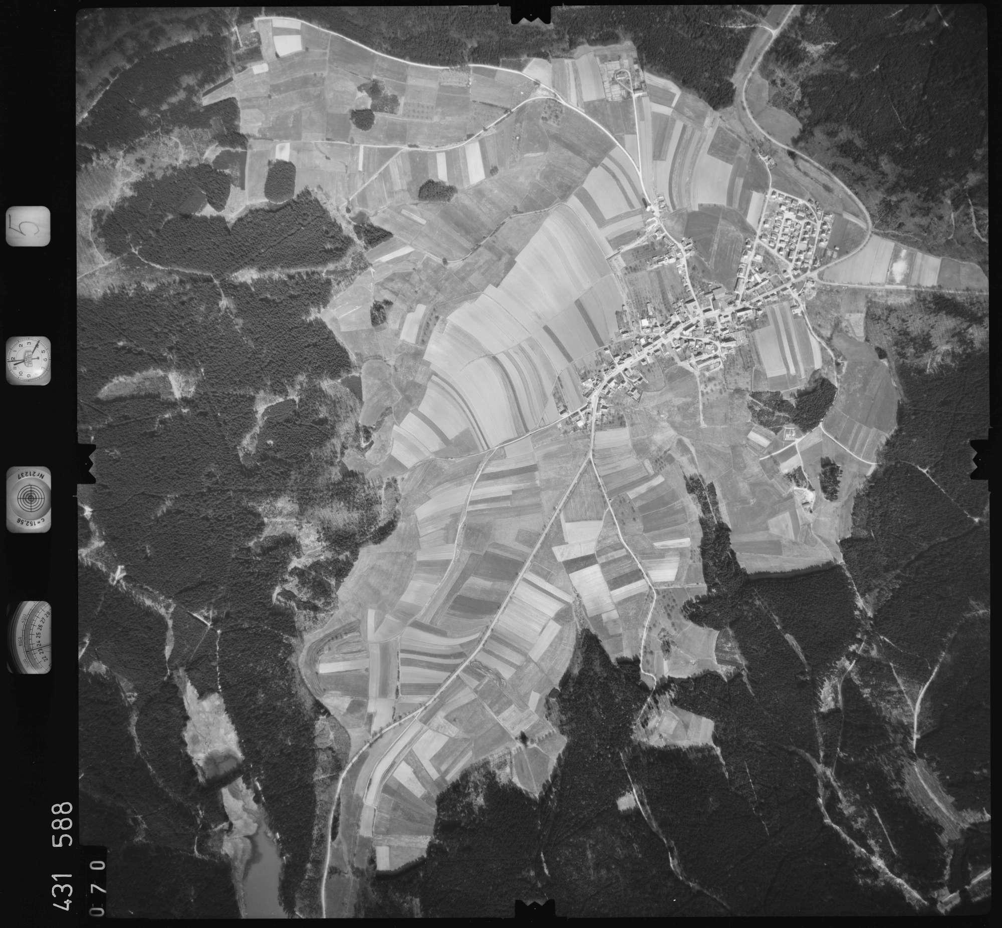 Luftbild: Film 5 Bildnr. 70, Bild 1