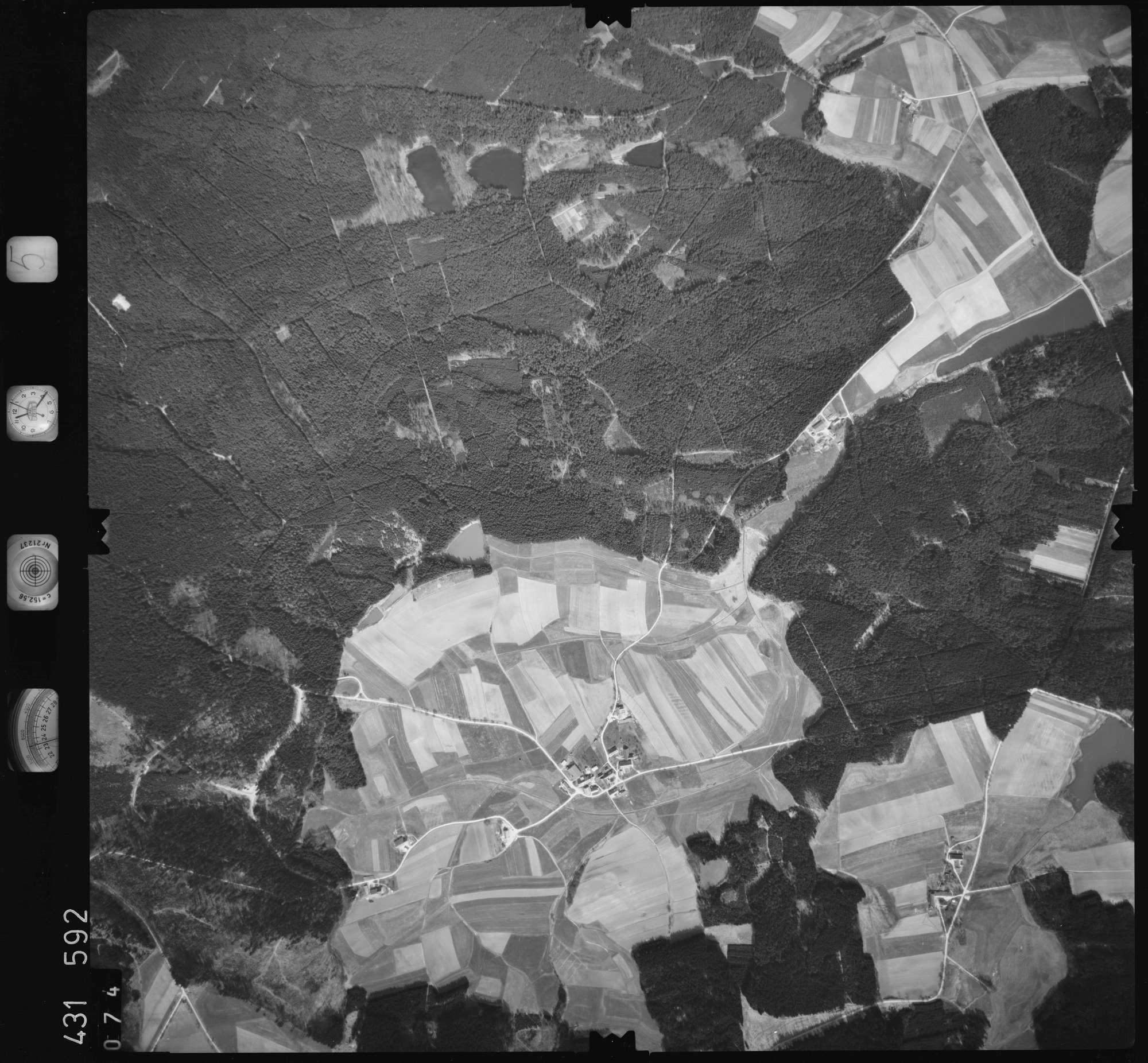 Luftbild: Film 5 Bildnr. 74, Bild 1
