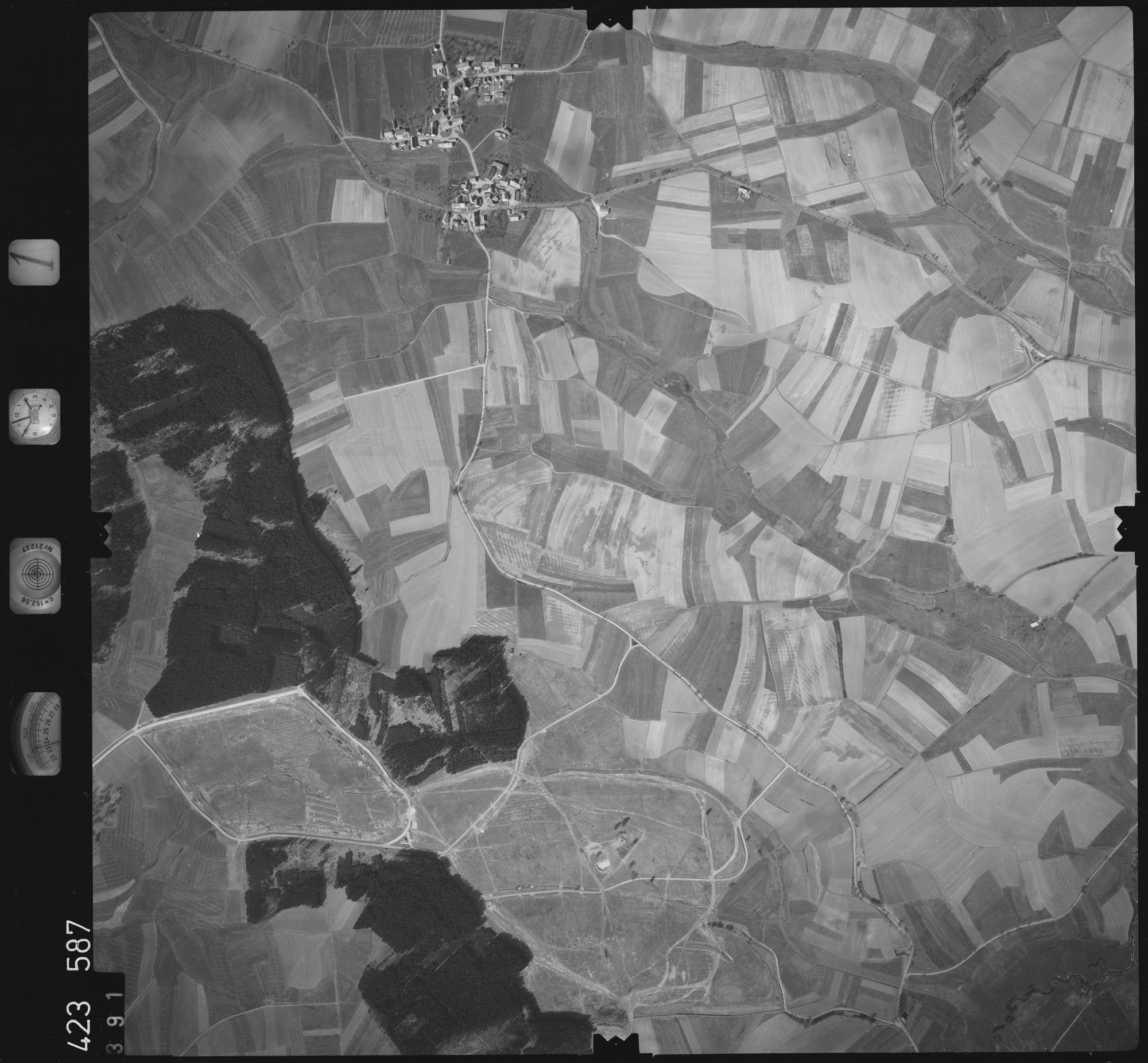 Luftbild: Film 1 Bildnr. 391, Bild 1