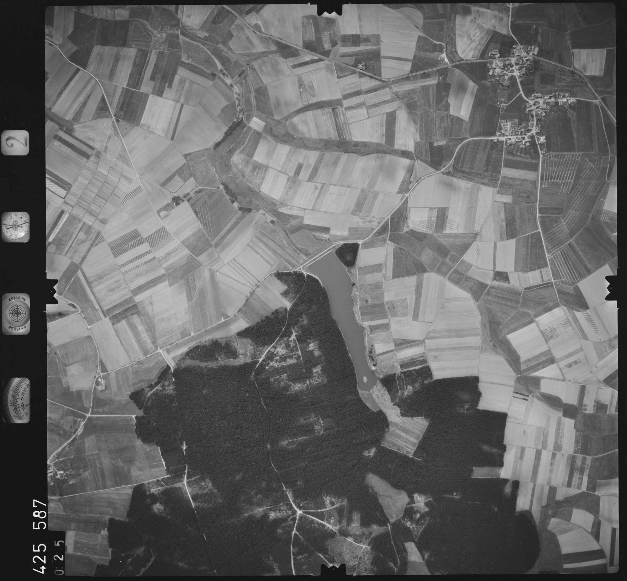 Luftbild: Film 2 Bildnr. 25, Bild 1