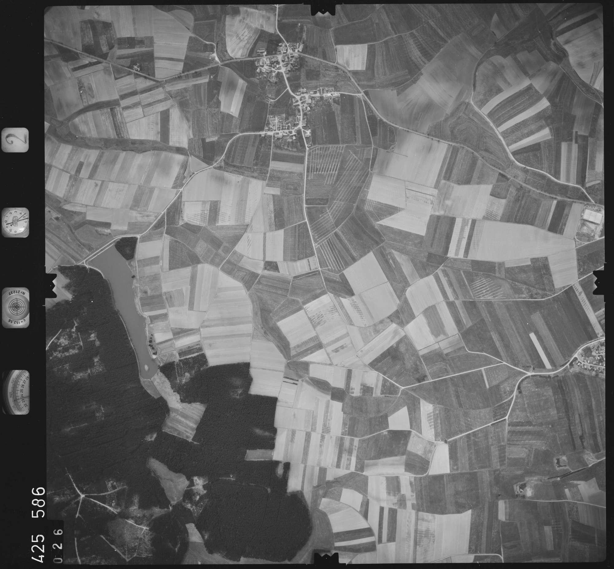 Luftbild: Film 2 Bildnr. 26, Bild 1