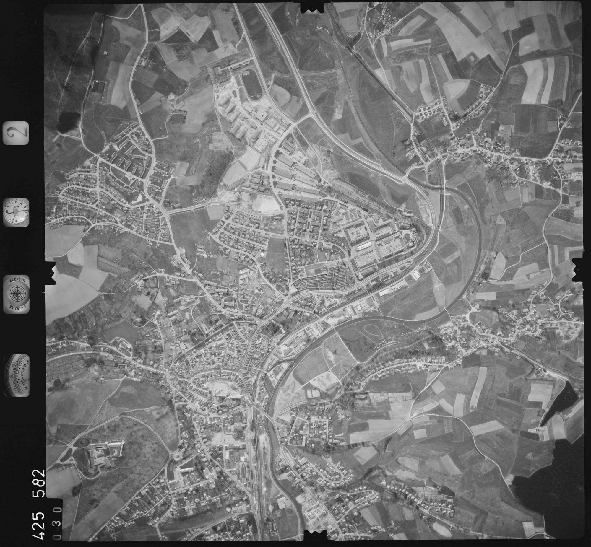 Luftbild: Film 2 Bildnr. 30, Bild 1