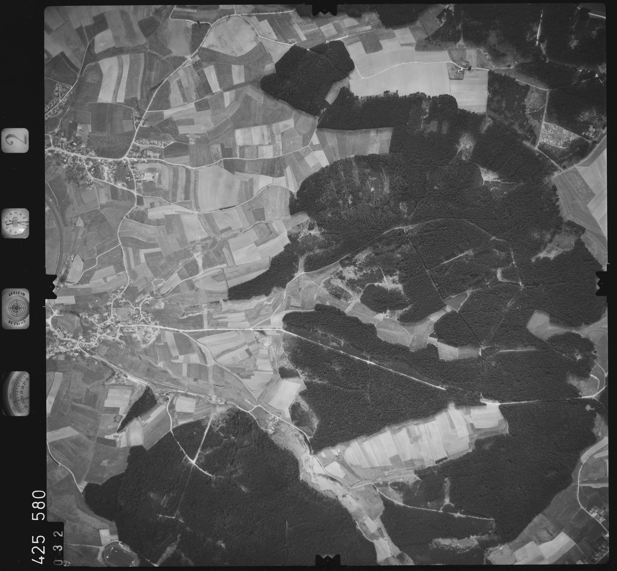 Luftbild: Film 2 Bildnr. 32, Bild 1