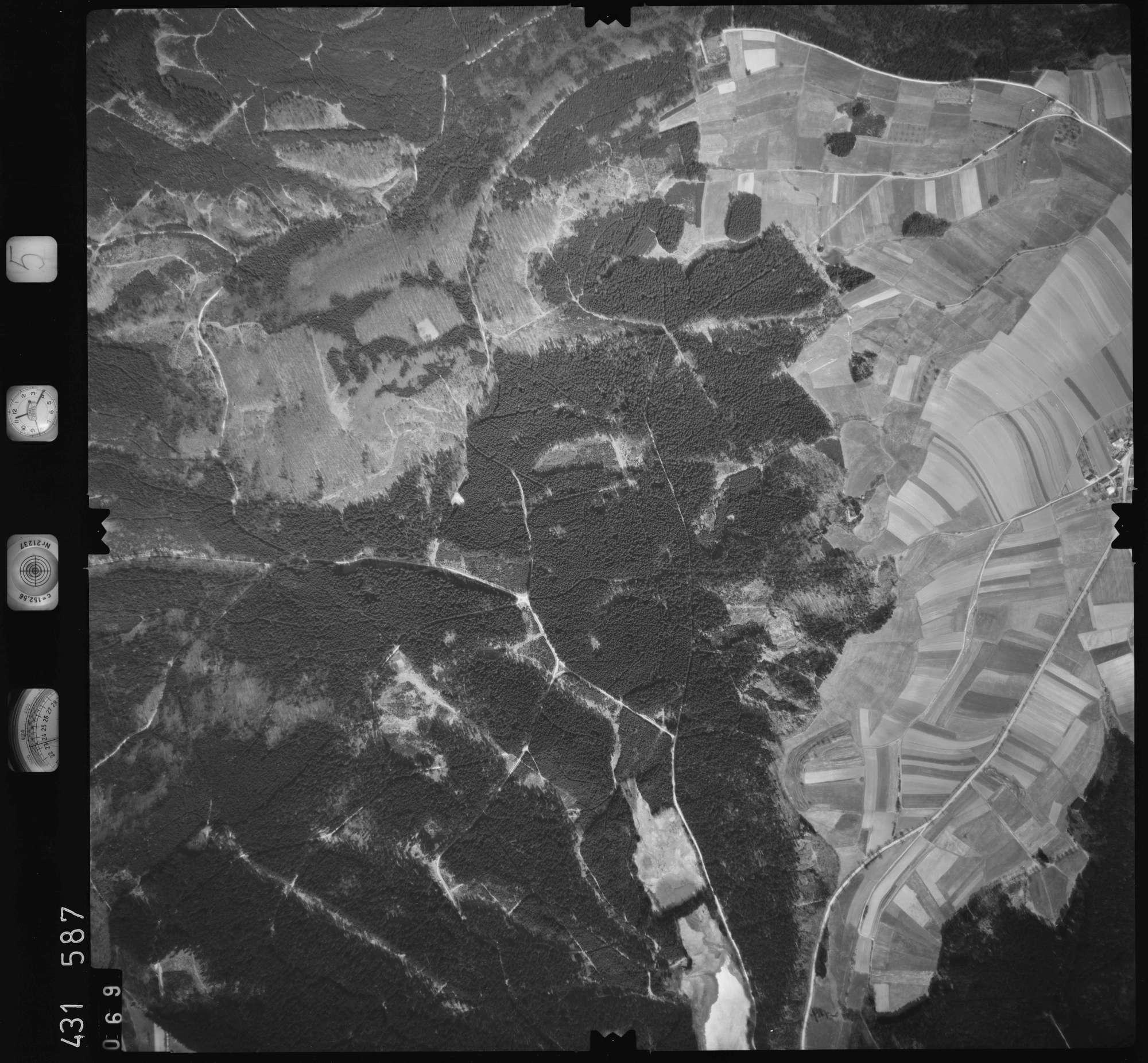 Luftbild: Film 5 Bildnr. 69, Bild 1
