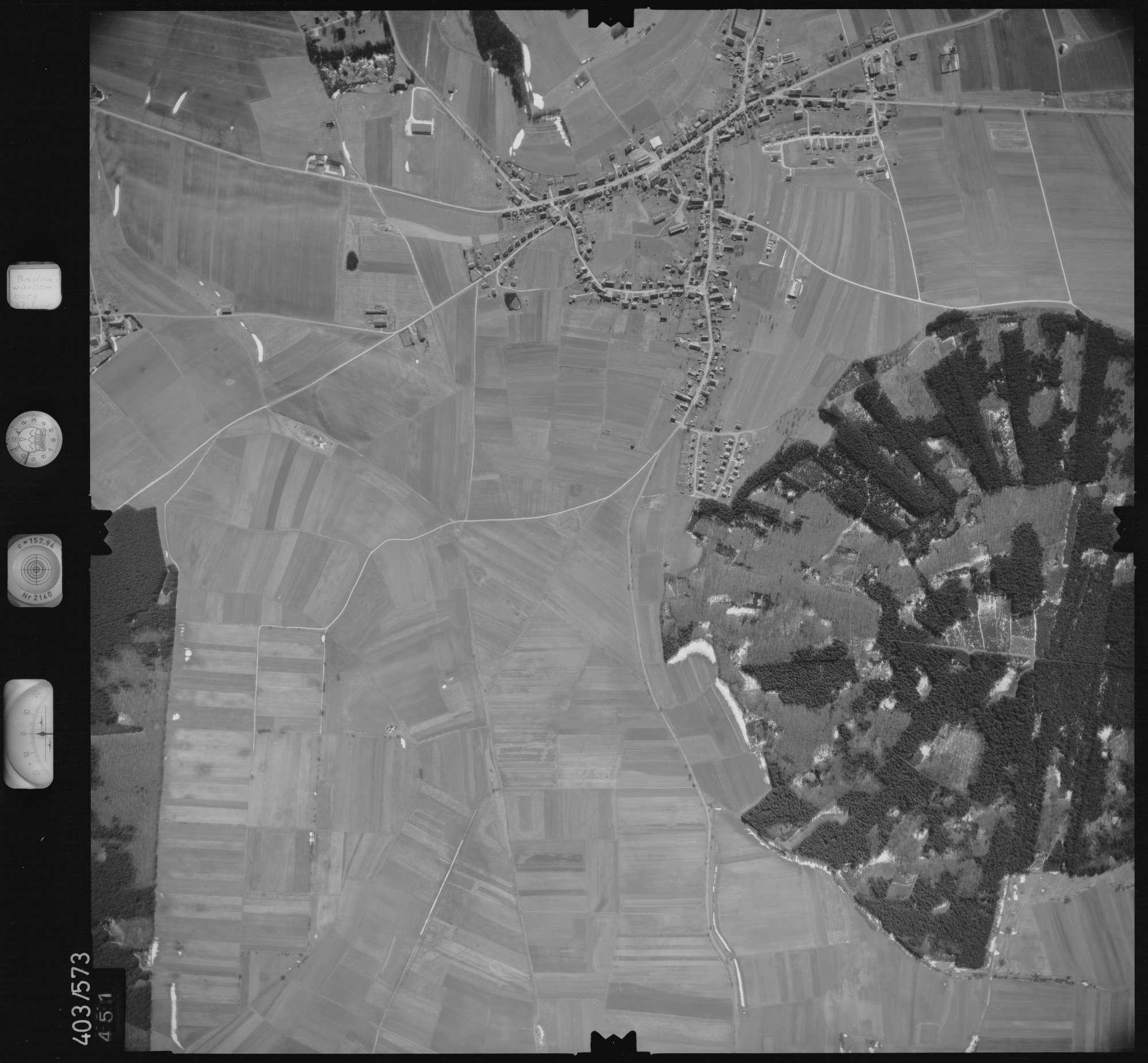 Luftbild: Film 10 Bildnr. 451, Bild 1