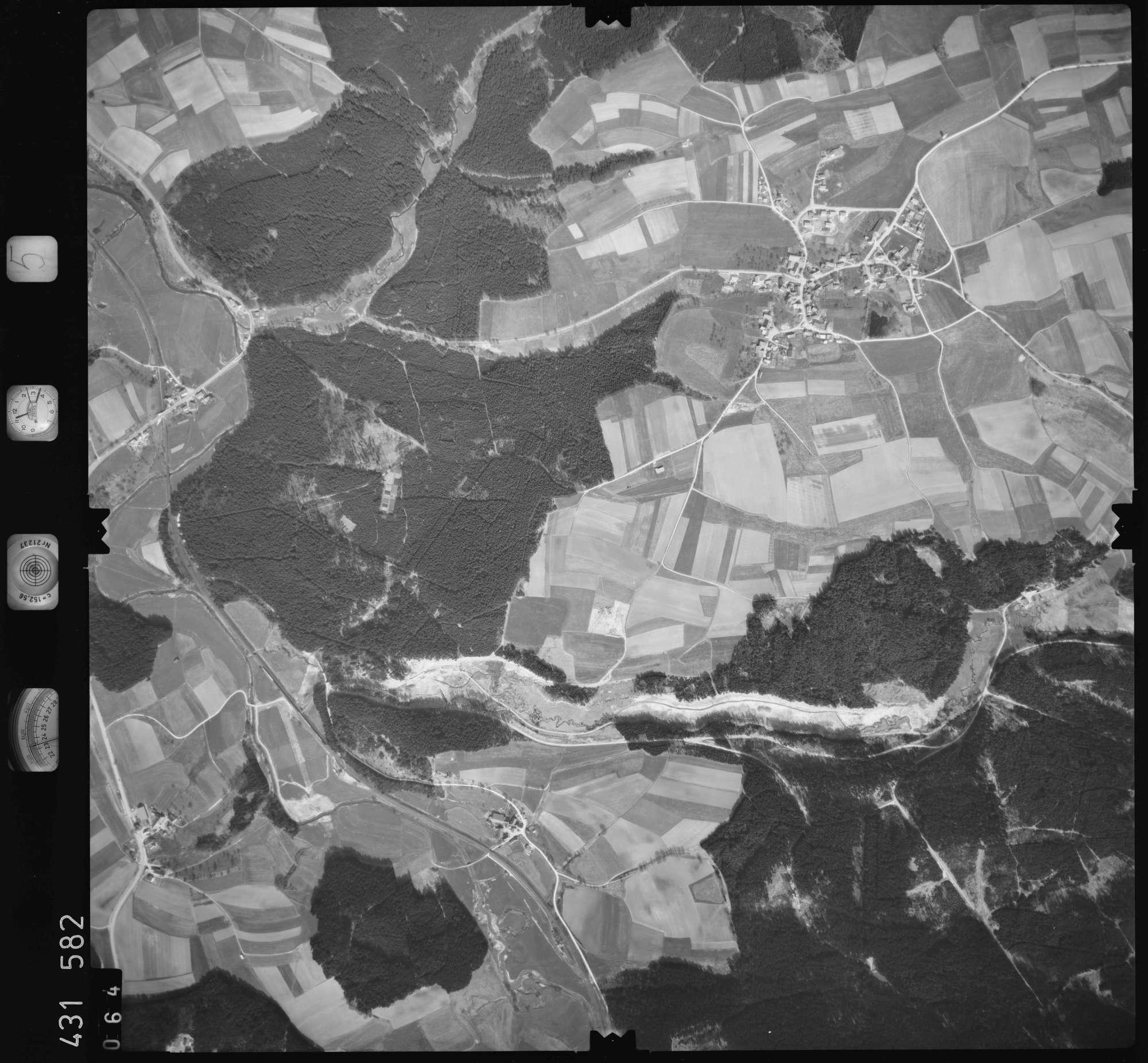 Luftbild: Film 5 Bildnr. 64, Bild 1