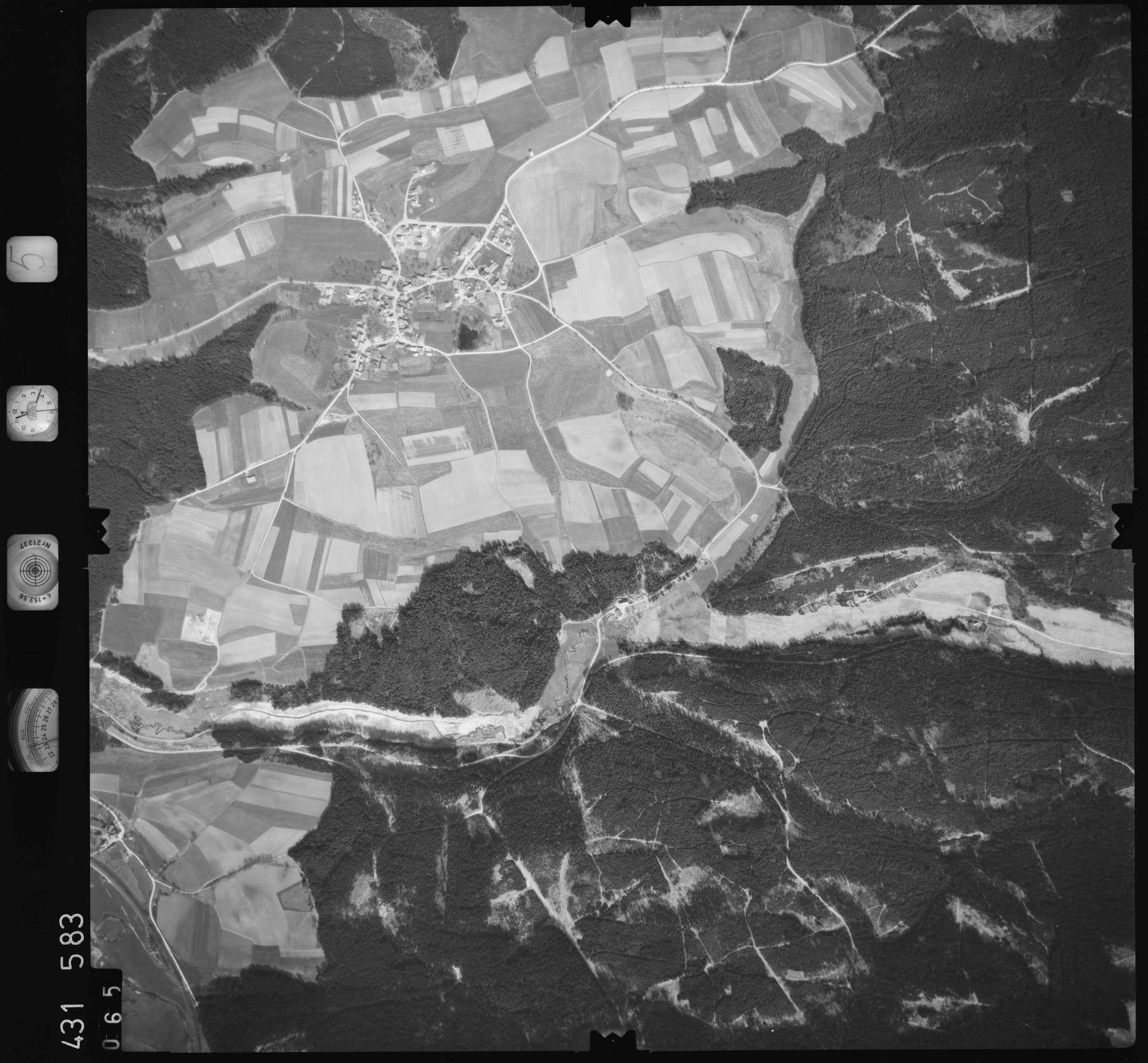Luftbild: Film 5 Bildnr. 65, Bild 1