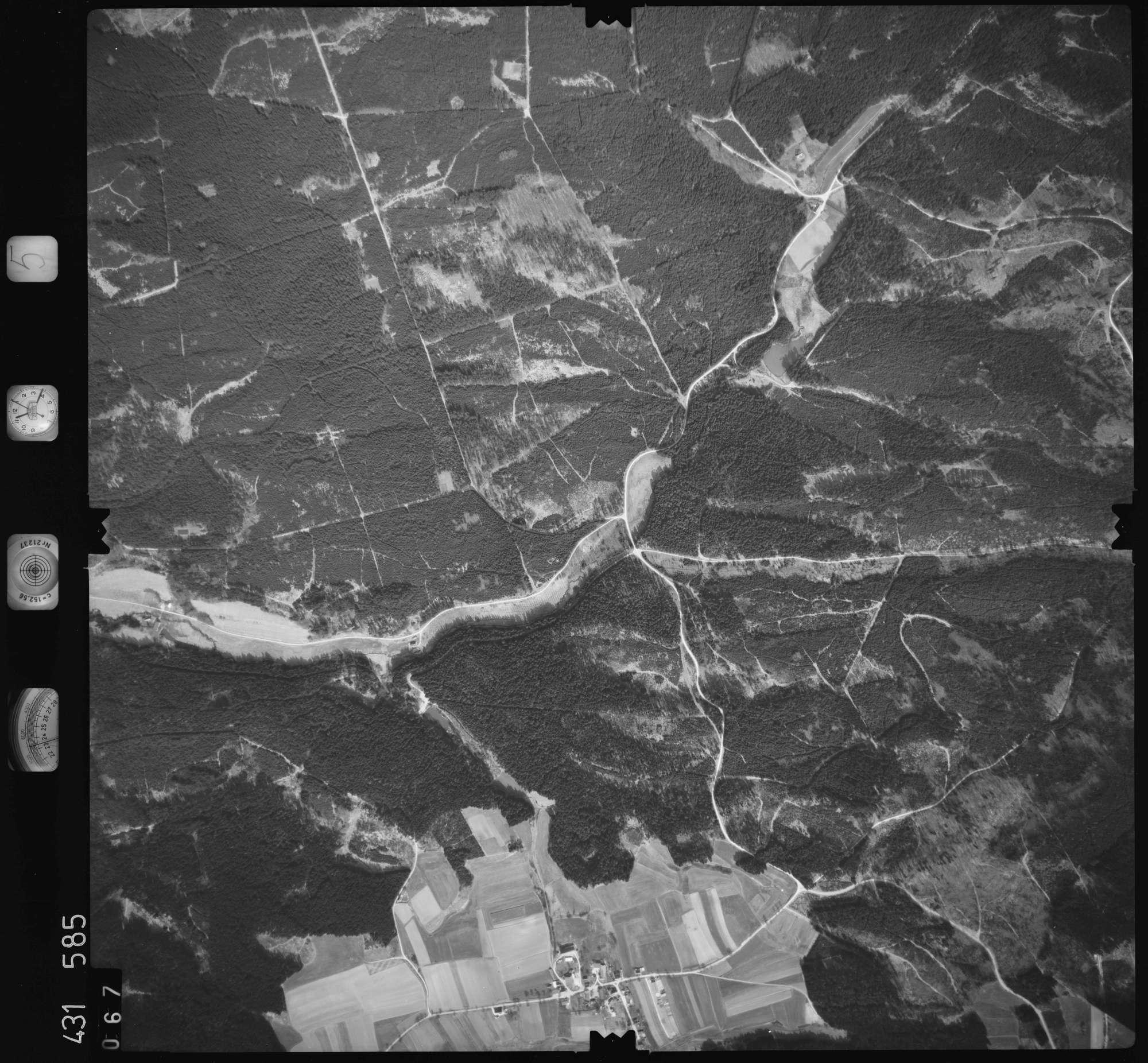 Luftbild: Film 5 Bildnr. 67, Bild 1