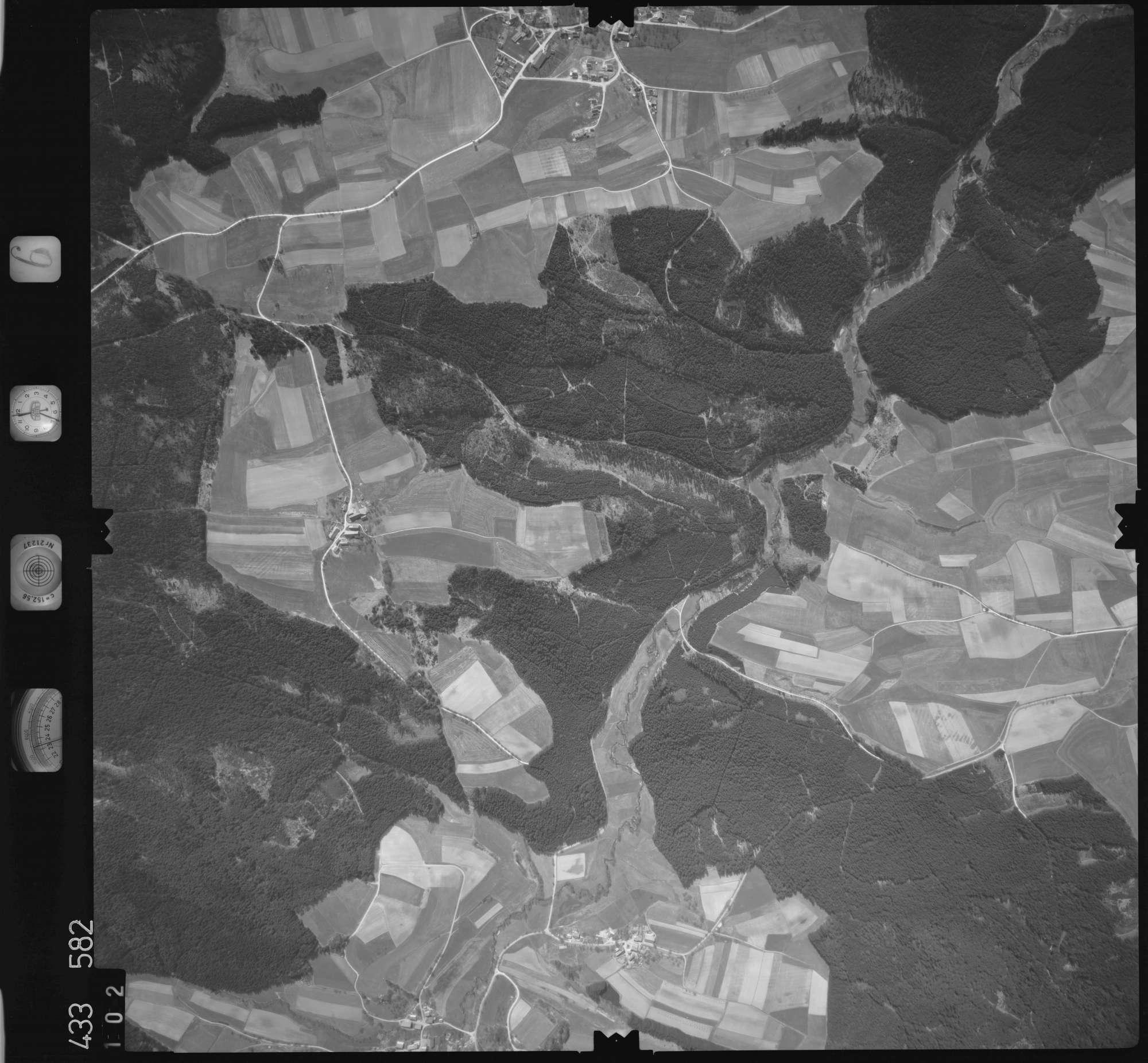 Luftbild: Film 6 Bildnr. 102, Bild 1