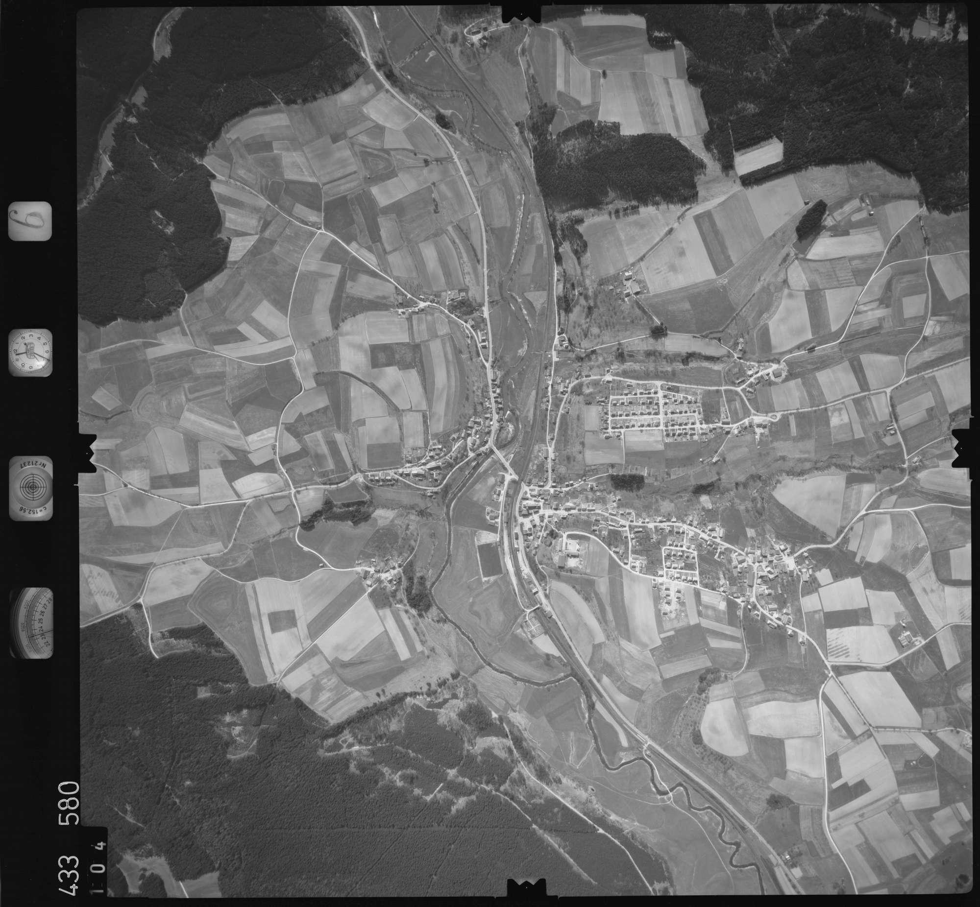 Luftbild: Film 6 Bildnr. 104, Bild 1