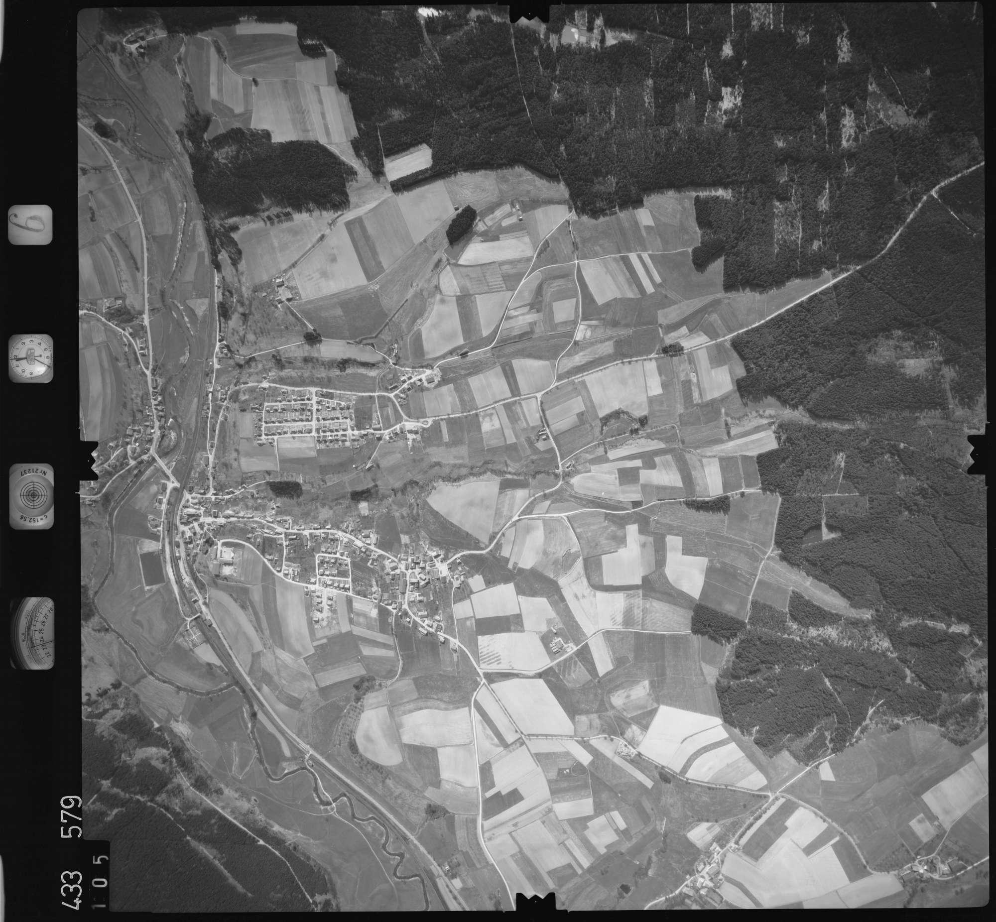 Luftbild: Film 6 Bildnr. 105, Bild 1